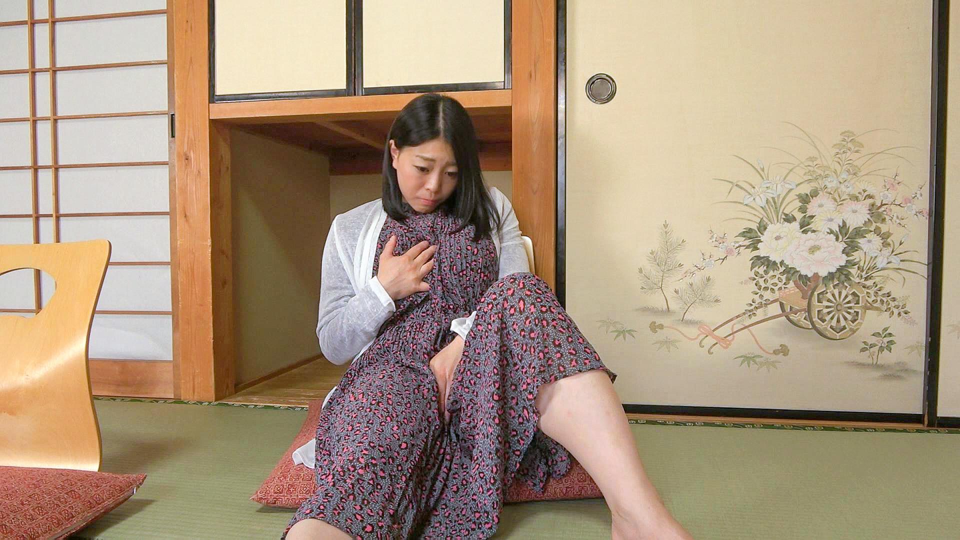 巨乳人妻温泉デート おっとりマイペースな清純人妻Jカップ 茜 28歳