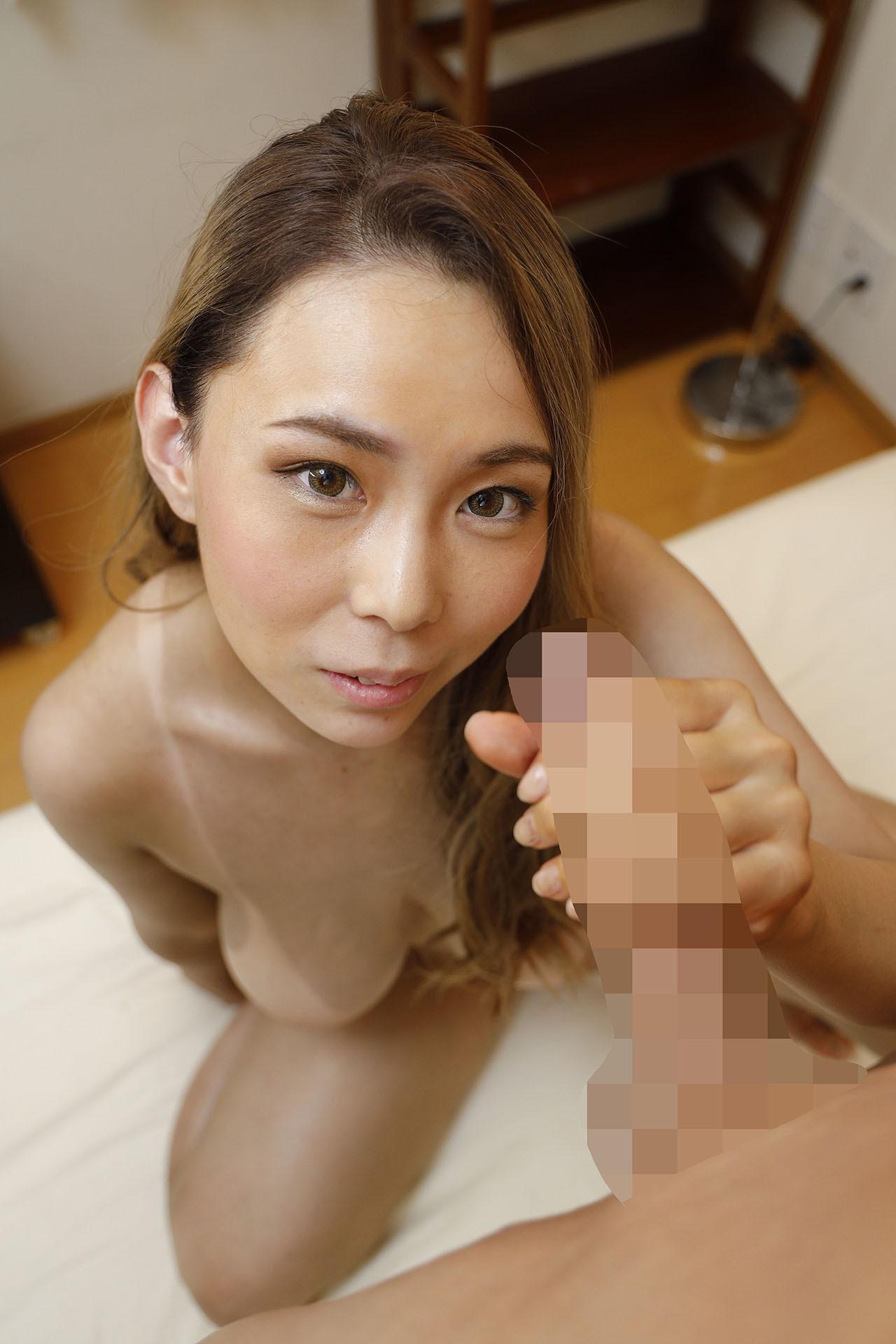 Iカップロケットオッパイのエロ黒姉さん over age.30 画像15