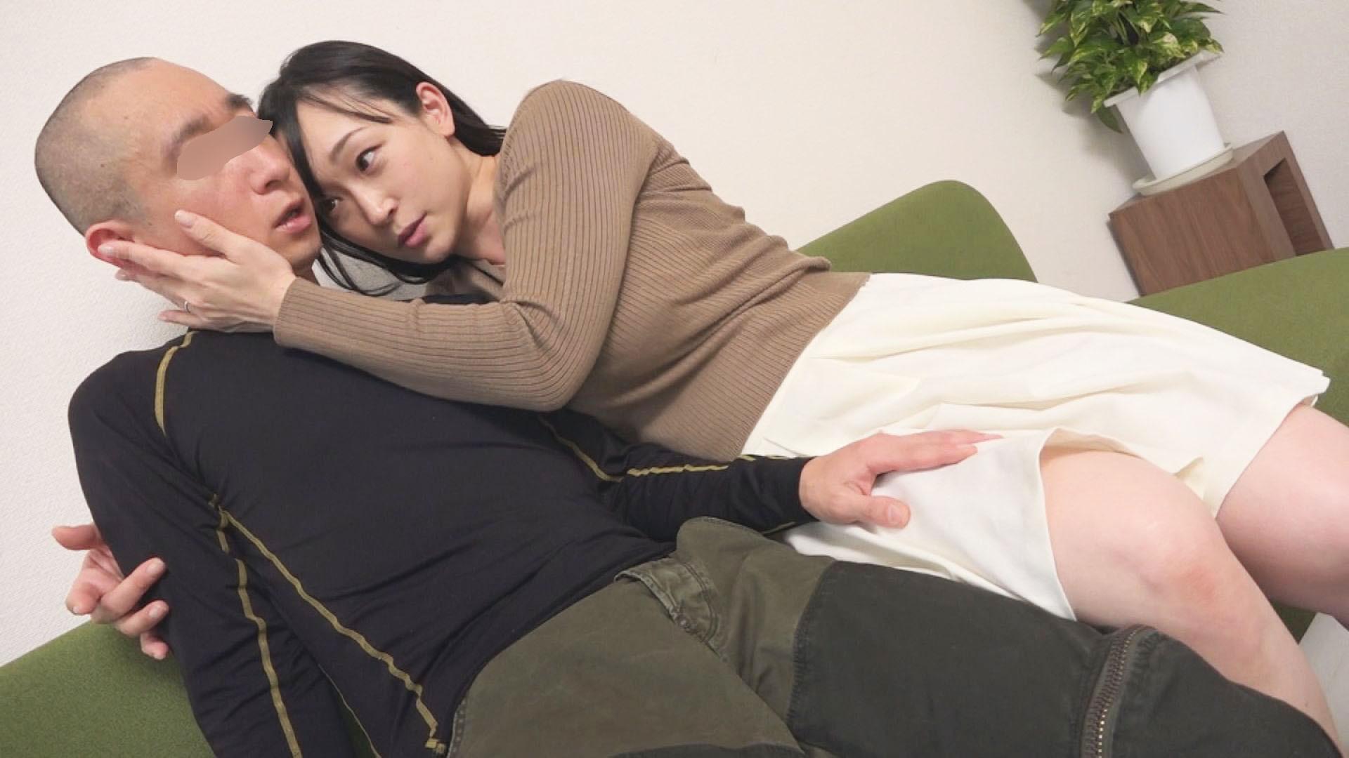 母乳ぶっかけ!「男性を赤ちゃんプレイで支配したいんです」産後、痴女本能が異常開花!欲求不満な爆乳奥様が自らAV応募。ひろこ(34歳)