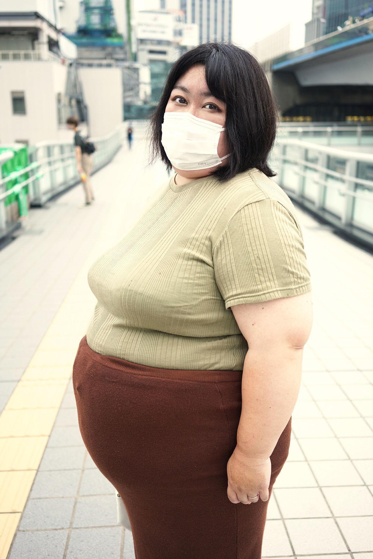 AV史上最重量豊満熟女登場!B128W138H130 圧巻DEBUT 栄子さん(44歳)