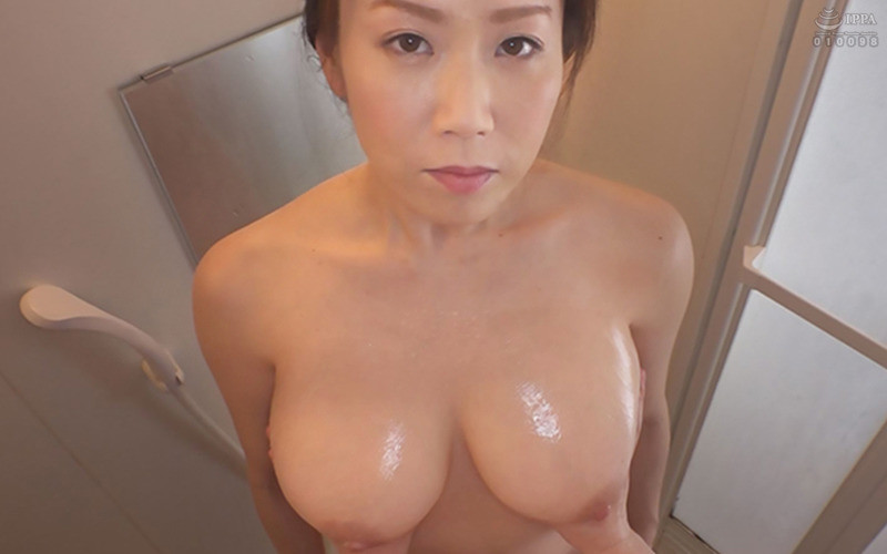 常に乳首をイジイジレロレロしてくれるデリヘル嬢 シンさん(39) Hカップ93cm SHIN 画像3
