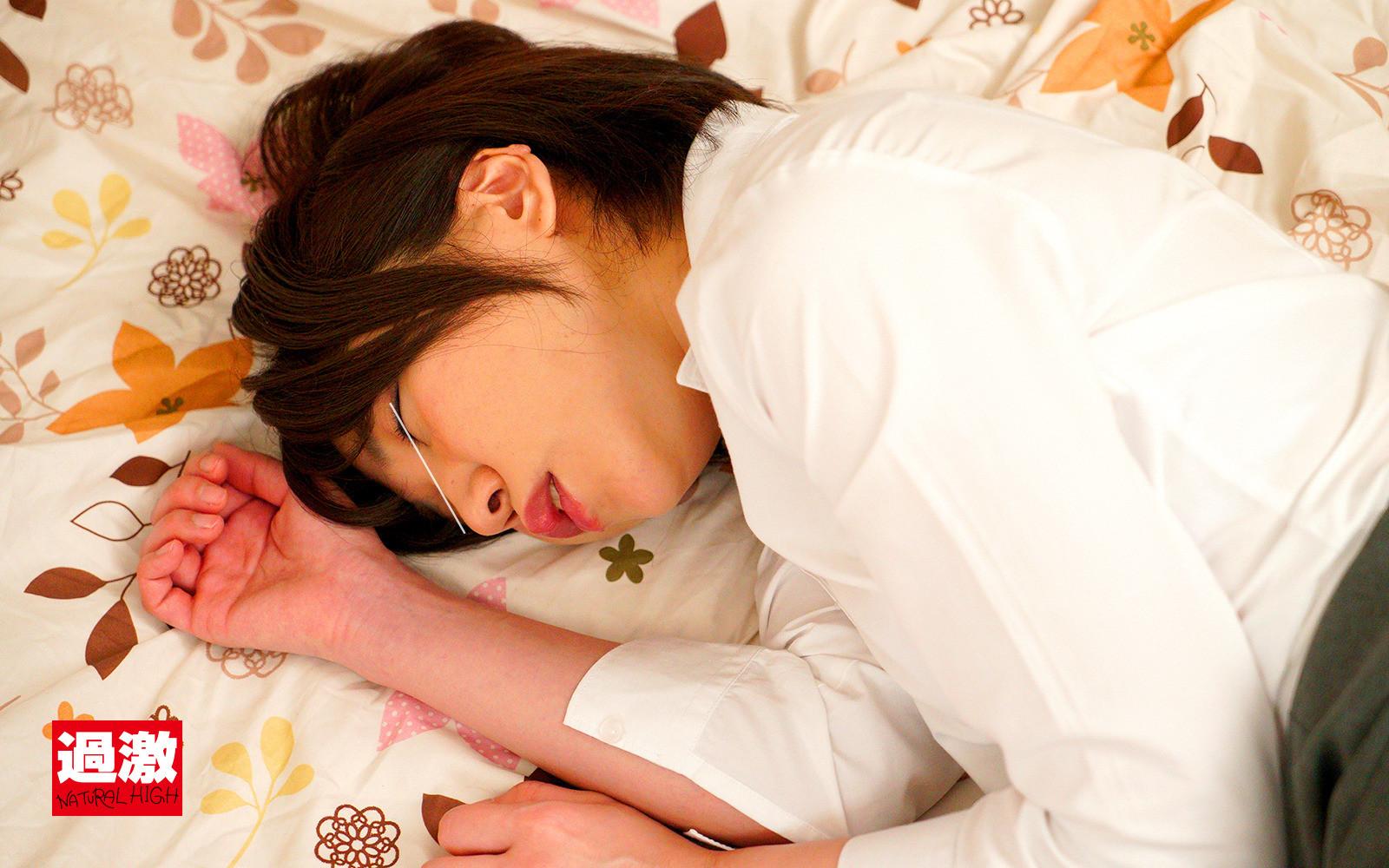 寝ている姉のアナルを毎晩こっそりいじっていたらち○ぽが根元まで入るほどガバガバになりました 2 画像9
