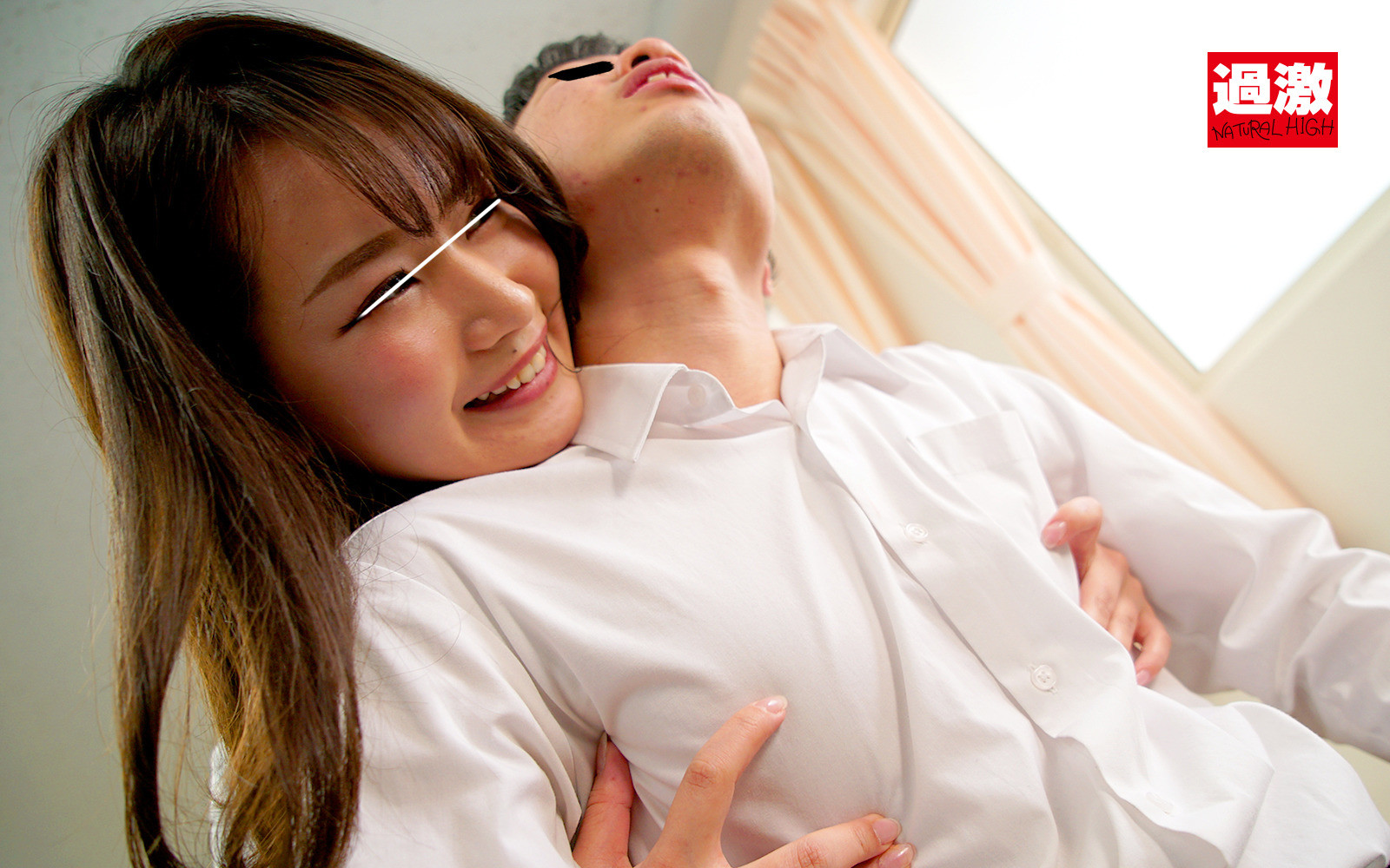 背後から乳首をいじられ勃起したら唾液ぐちゅぐちゅ手コキで射精しても終わらず即チクパコ 画像1