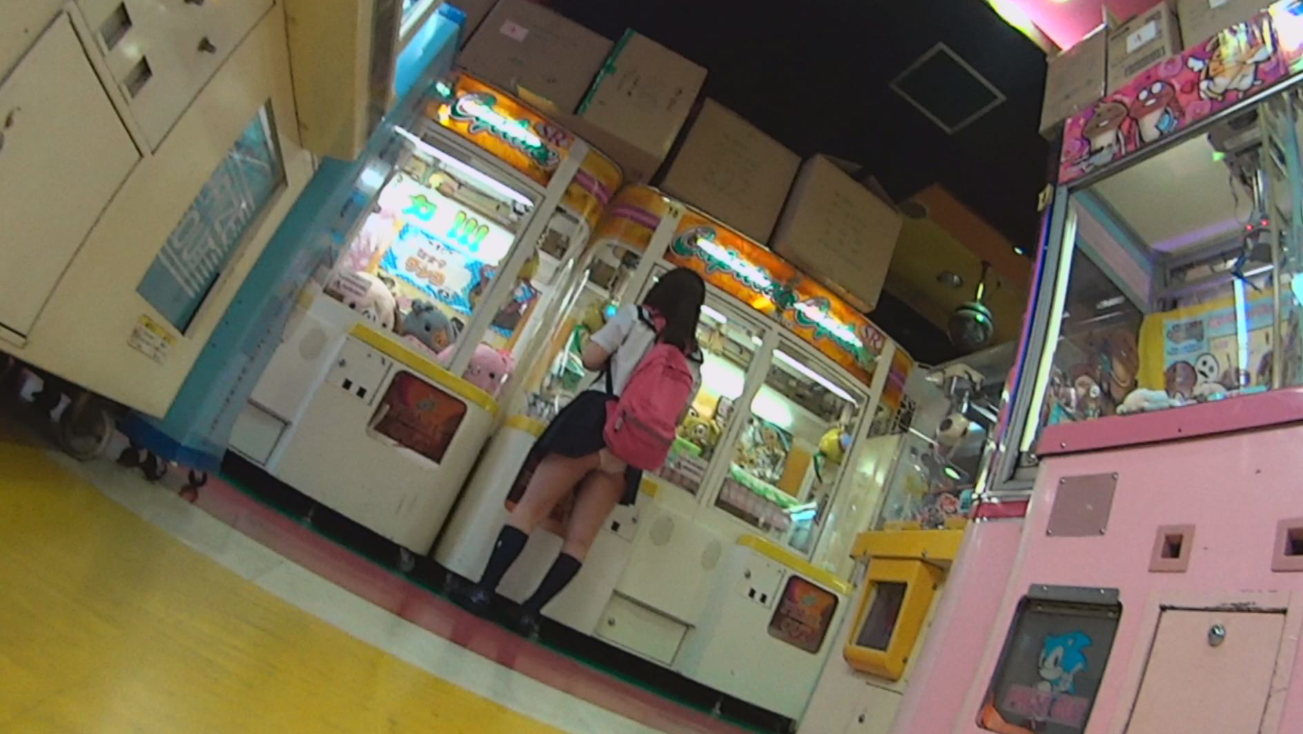うっかりパンモロ娘 カバンやパンストにスカート引っ掛けちゃったおっちょこちょいな女の子たち 画像2
