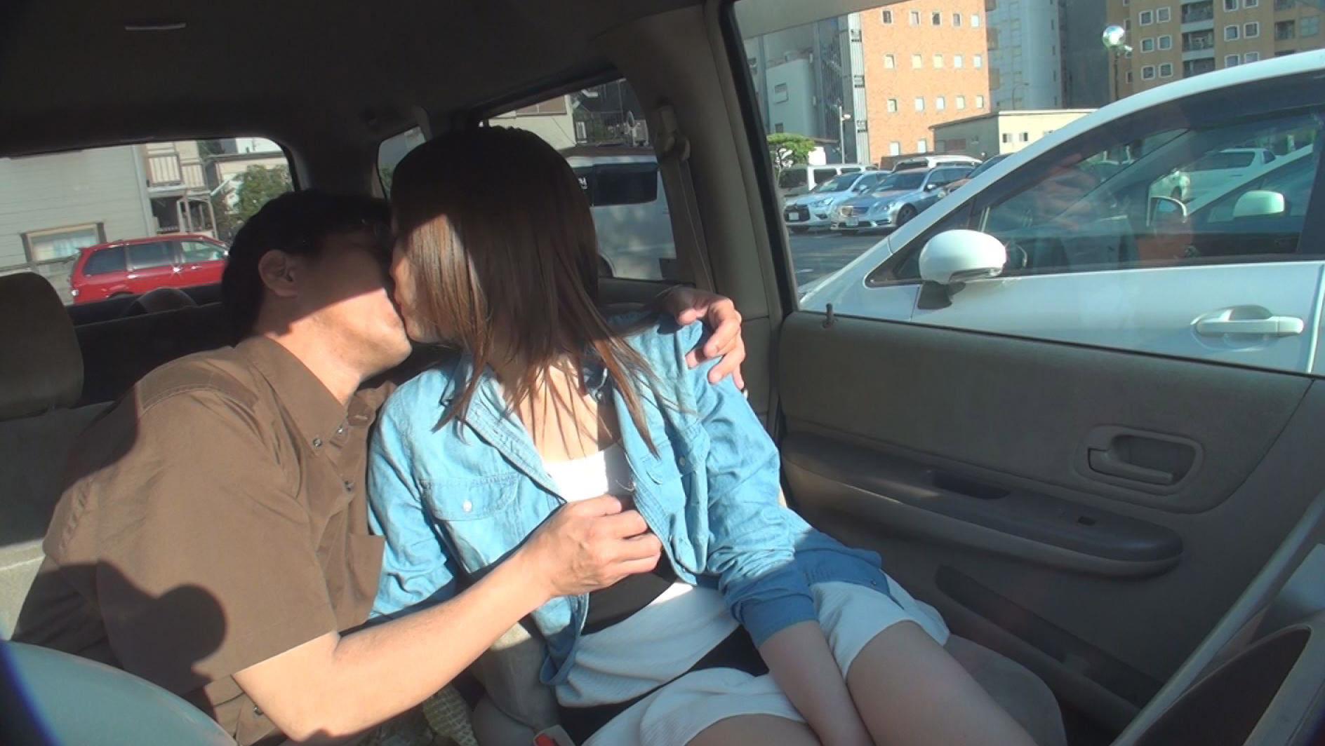 選りすぐりのドスケベ痴女を車にお届けします!スリルと興奮の出張車内ピンクサロン 11人4時間 画像10