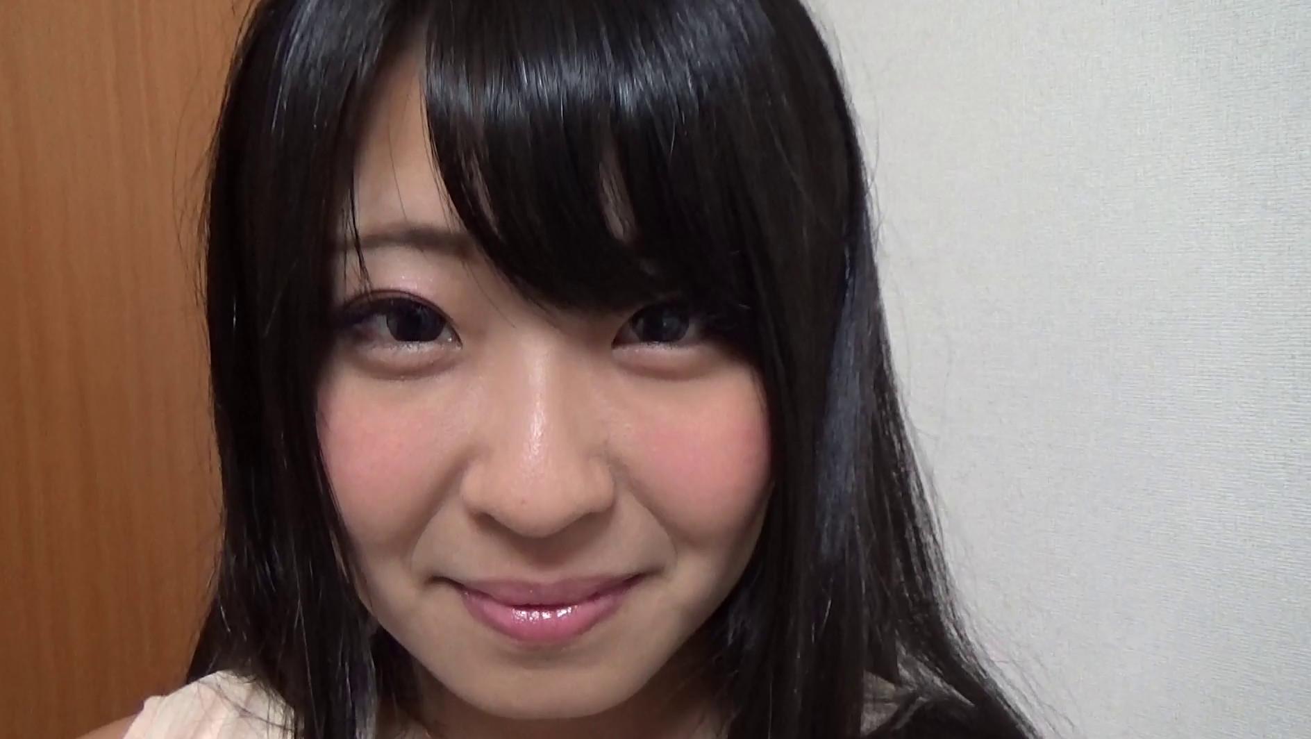完全ドキュメント!現役グラビアアイドル玄関開けたら2分で極エロデビュー! アユミ