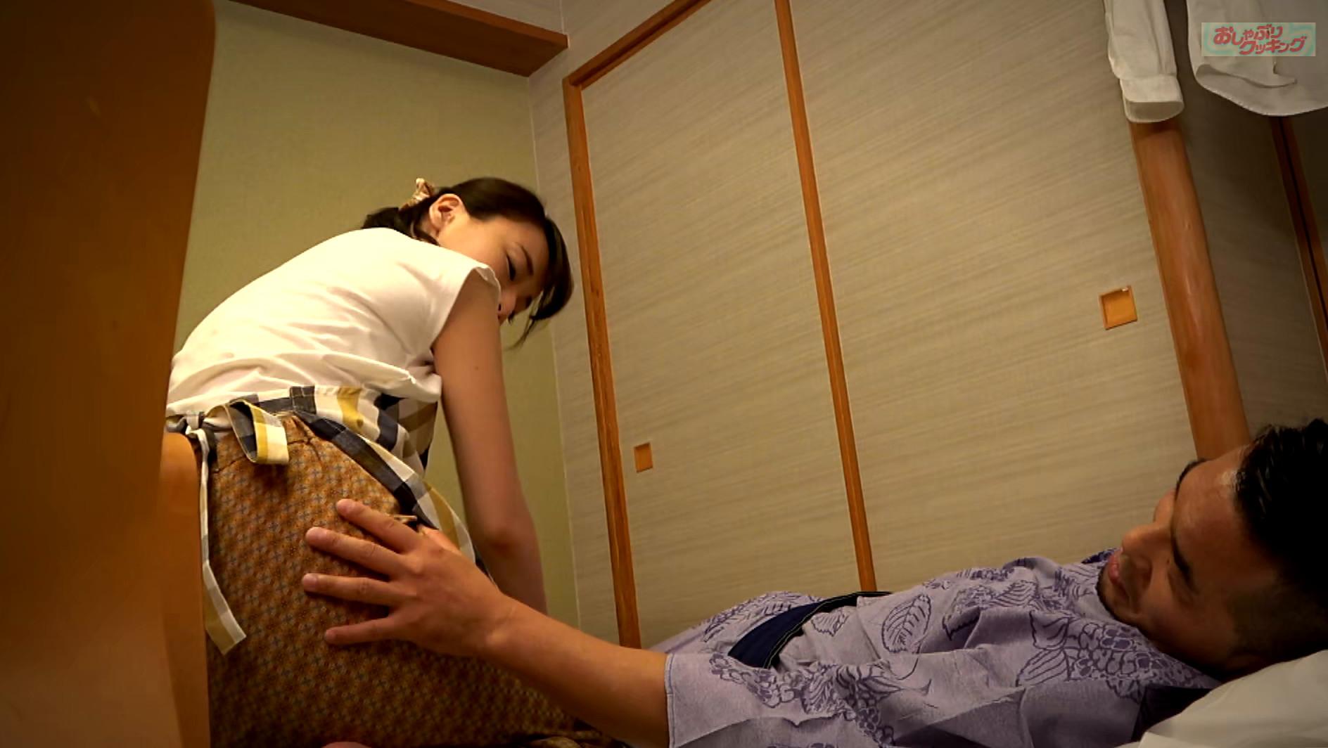 田舎の旅館をひとりで切盛りする美人女将に夜這いしました ゆり40歳 画像4