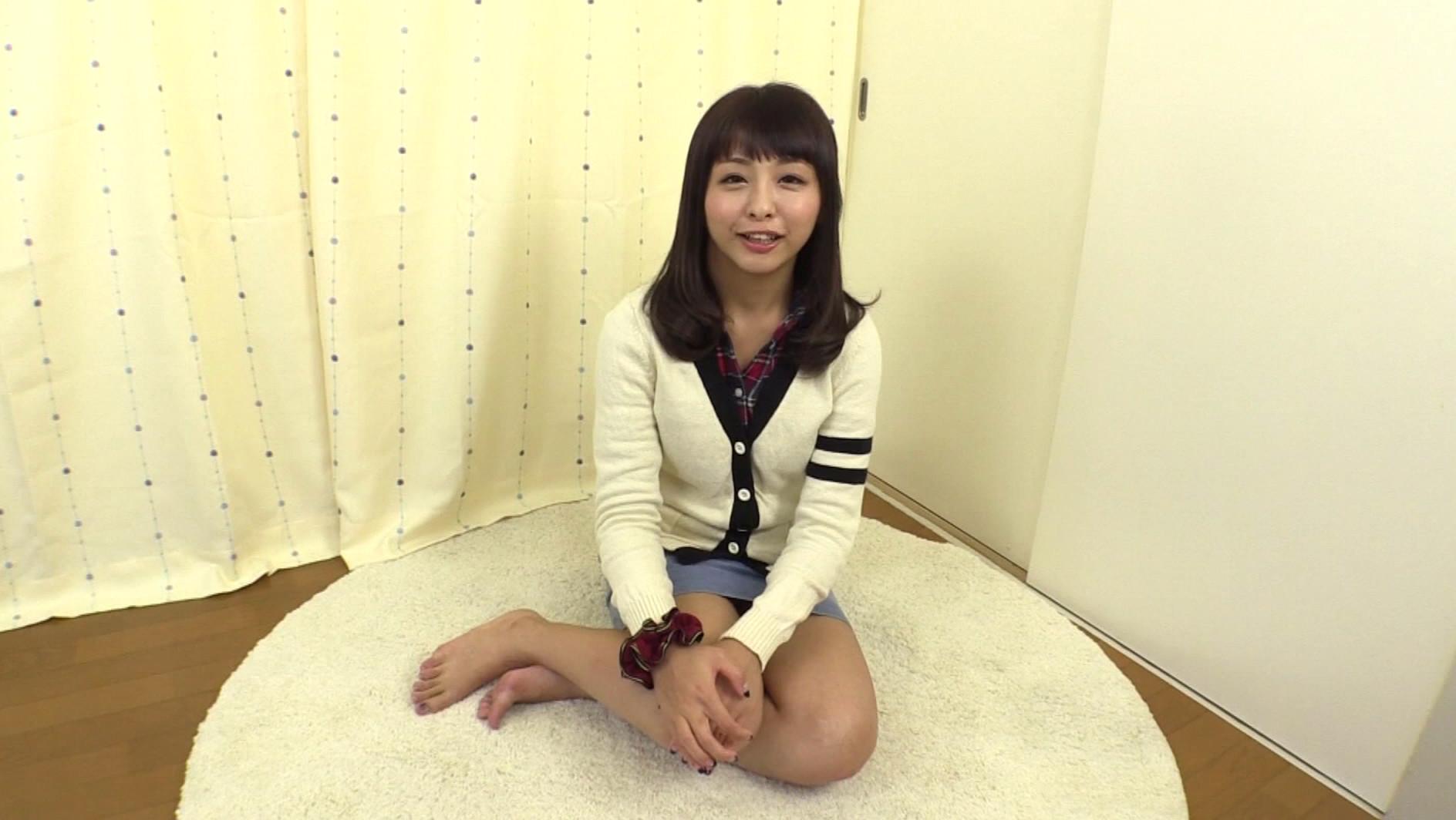 SNSに可愛い自撮り画像をアップしていた唯香ちゃん(20歳)に「1回だけでいいからAVに出演してみない?」とお願いしました。 画像4