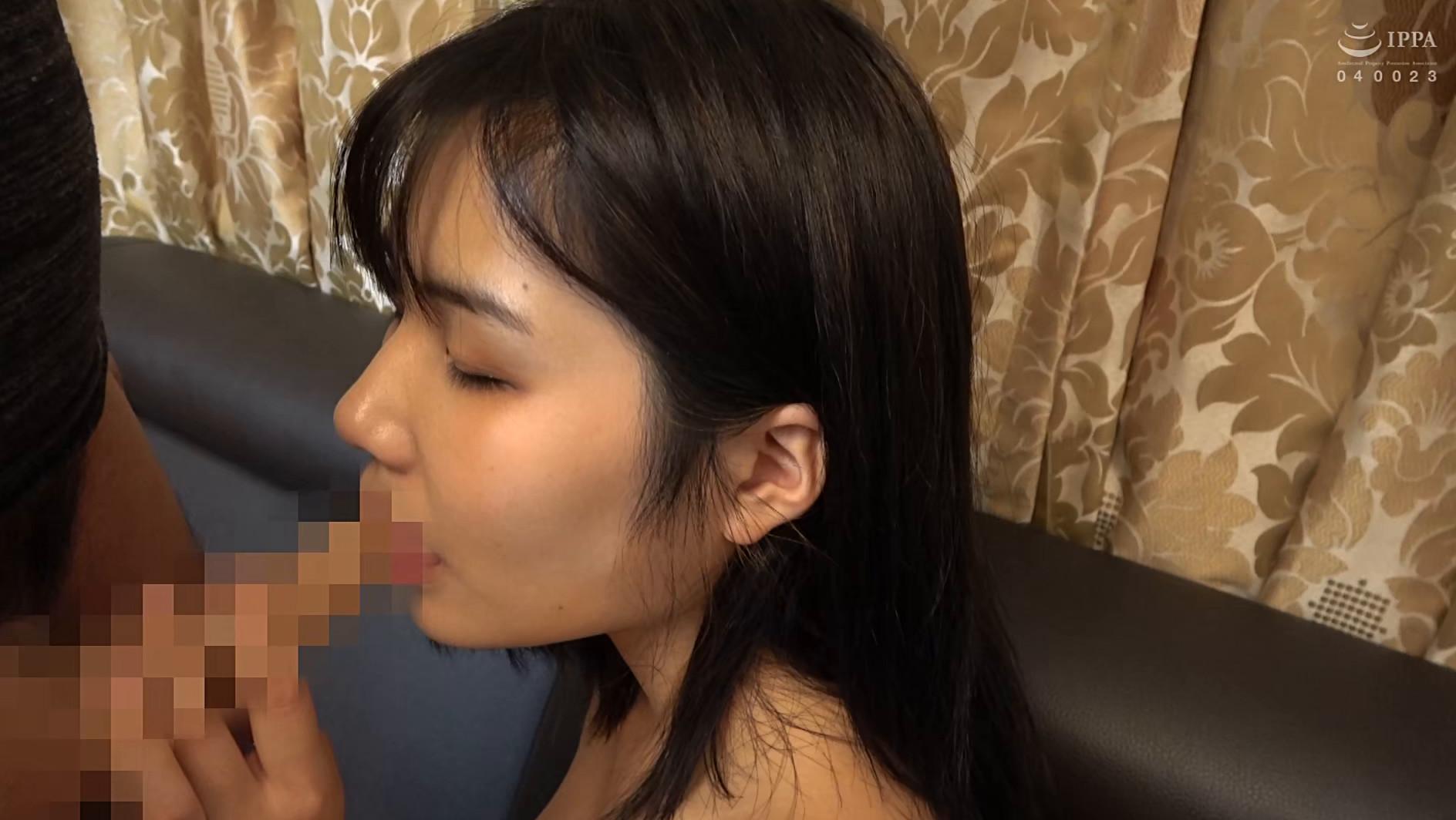 韓国で見つけた地味系な彼女は、眼鏡で隠した美貌と隠れ巨乳のもったいない美女でした!自称Cカップと控えめにウソをつく隠れ巨乳は揉んで良し!揺れて良し! 画像17