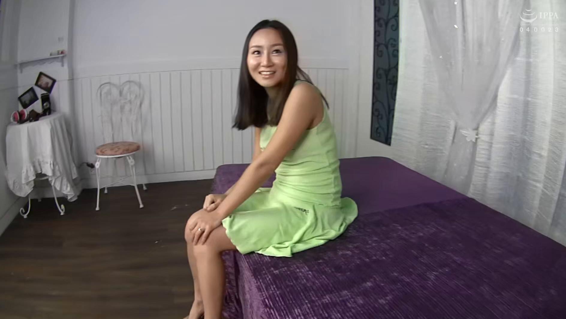 韓国で見つけたモデル系美人の彼女は、オトコもチ〇ポも勃て上手!前戯よりも本番好きで挿入った途端に確変モード突入!!