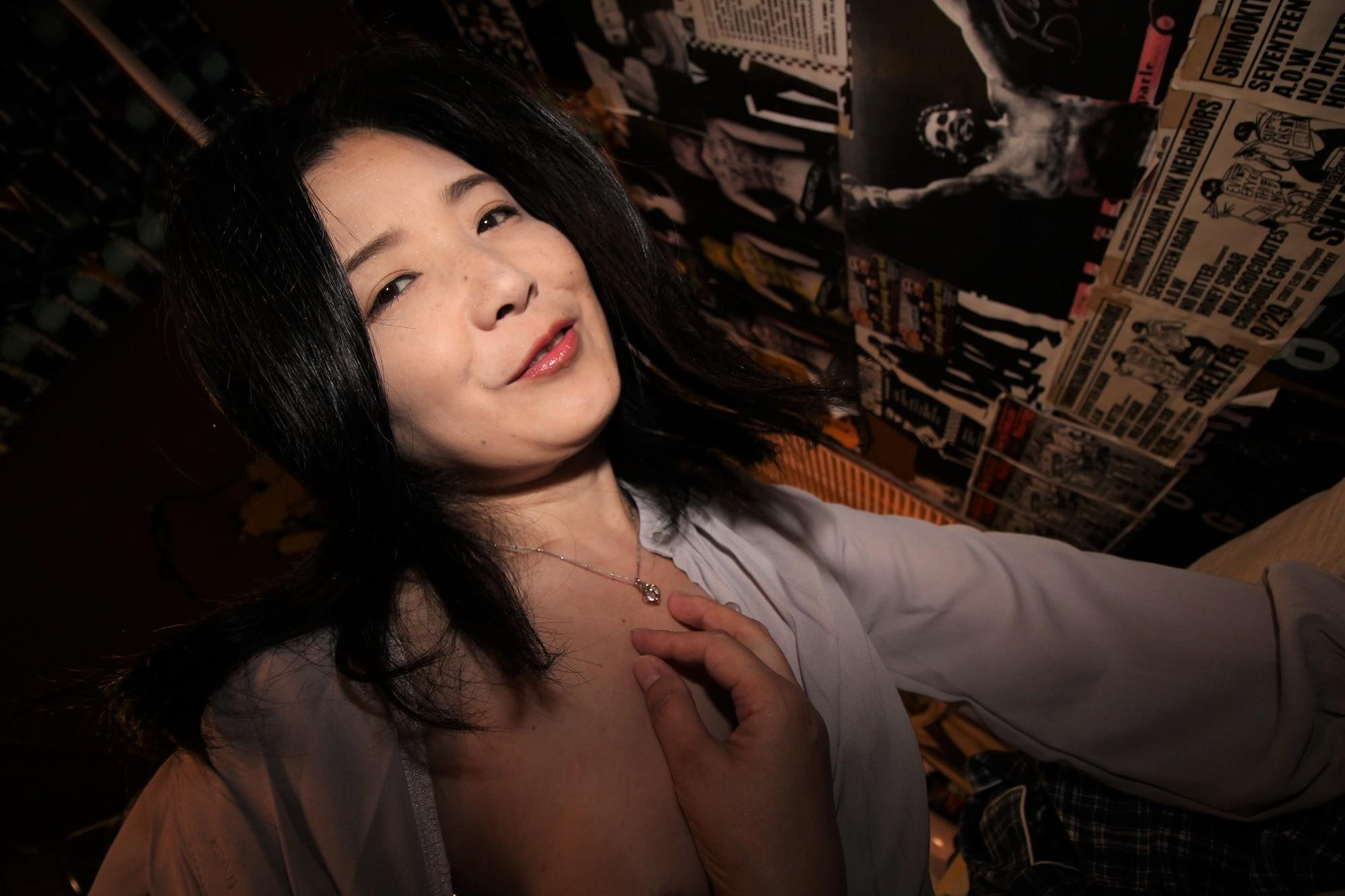 愛しのデリヘル嬢 素人売春生中出し 盗撮強制撮り下ろし 横山さん(主婦)42歳 画像3