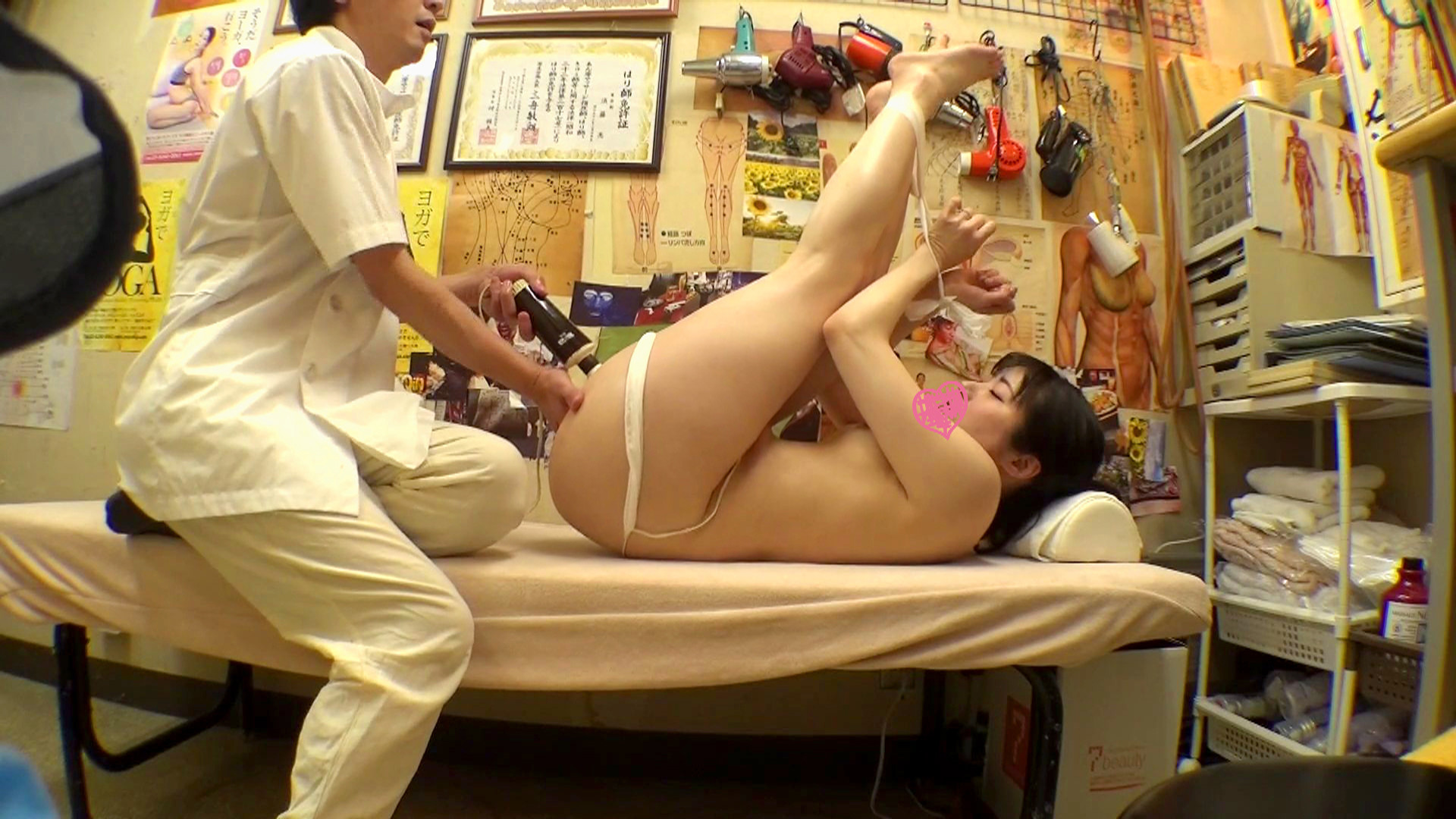 鍼灸院すどう盗撮り下ろし 5 いい所を責めると足がピーンだね