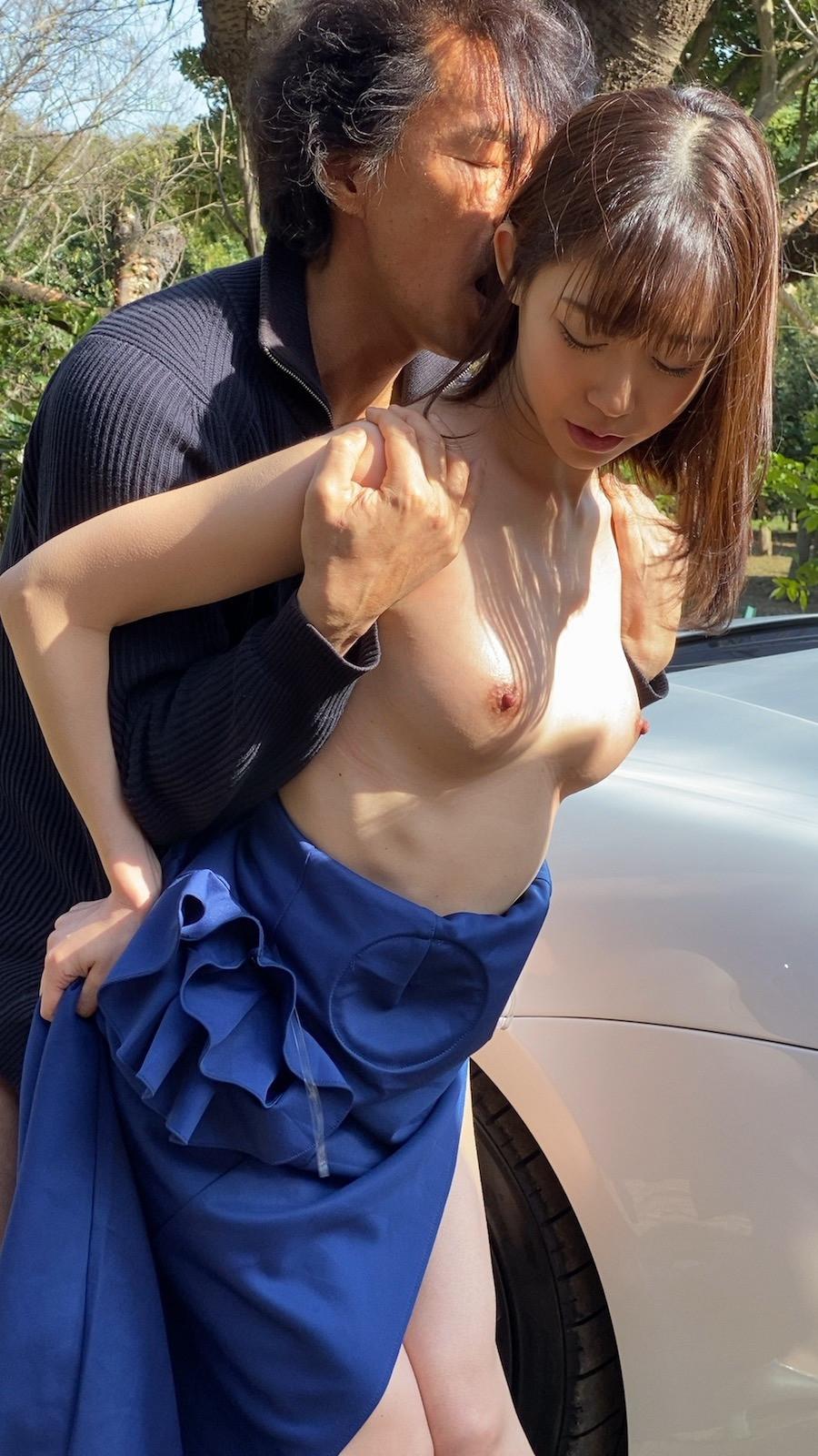 HIGH END CAR SEX 黒川すみれ 画像10