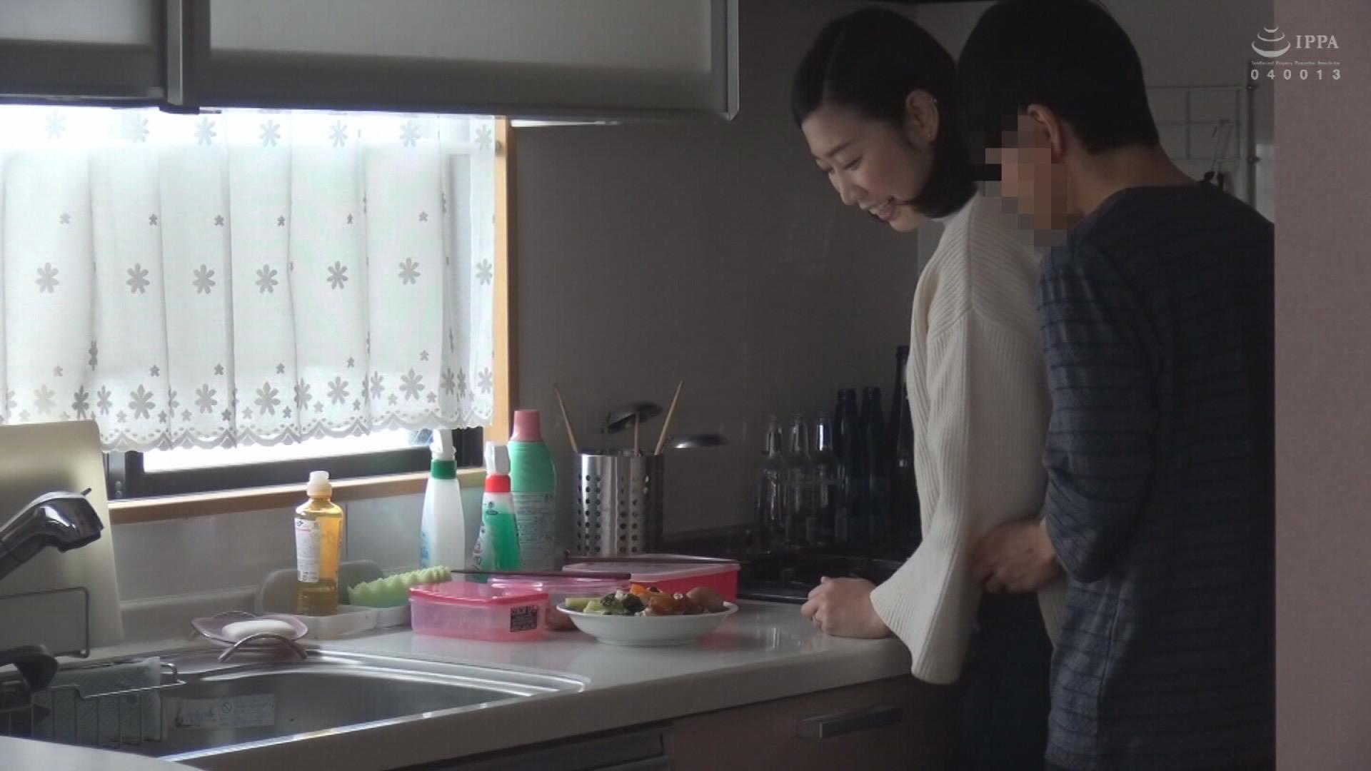(秘)隠し撮り映像流出!!同じマンションのママ友を連れ込んで絶対内緒の不倫SEX