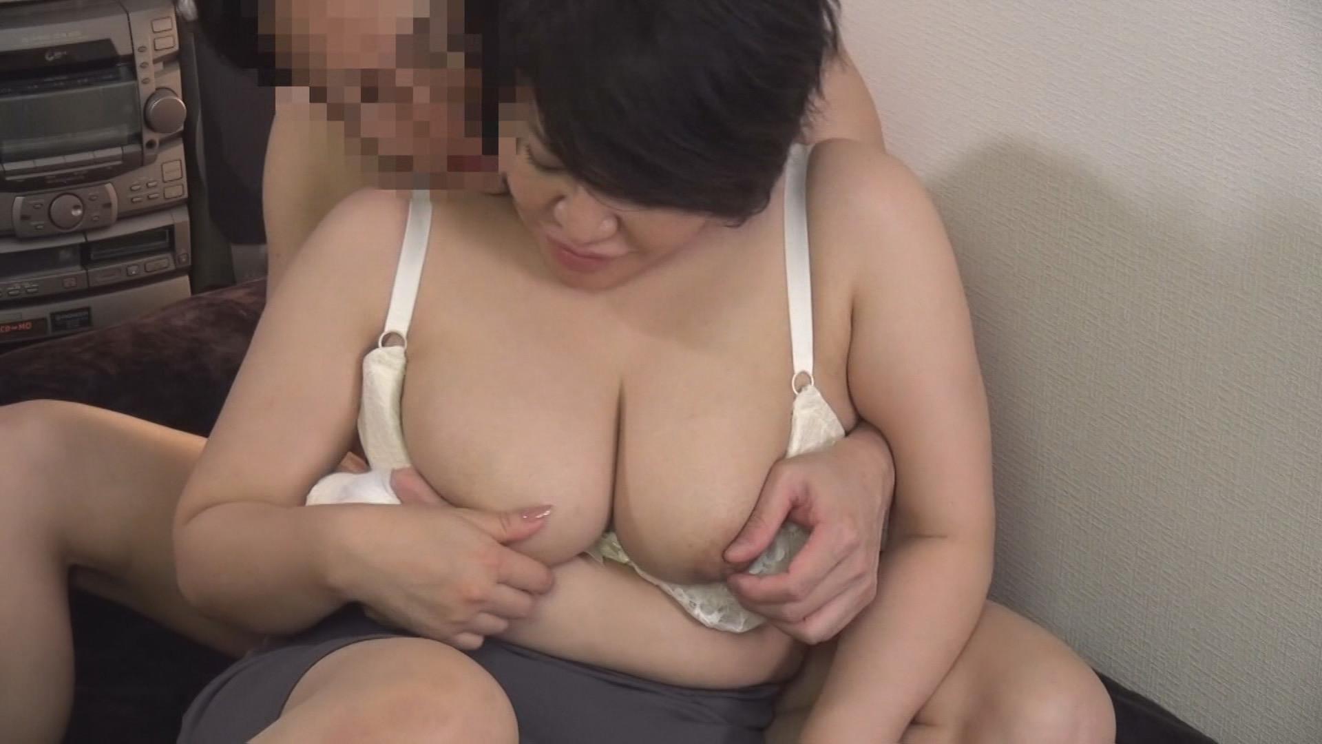 (秘)隠し撮り映像流出!! 同行営業中自宅に連れ込んだ生保レディとのプライベート映像 中年おばさんの赤裸々なSEX 13