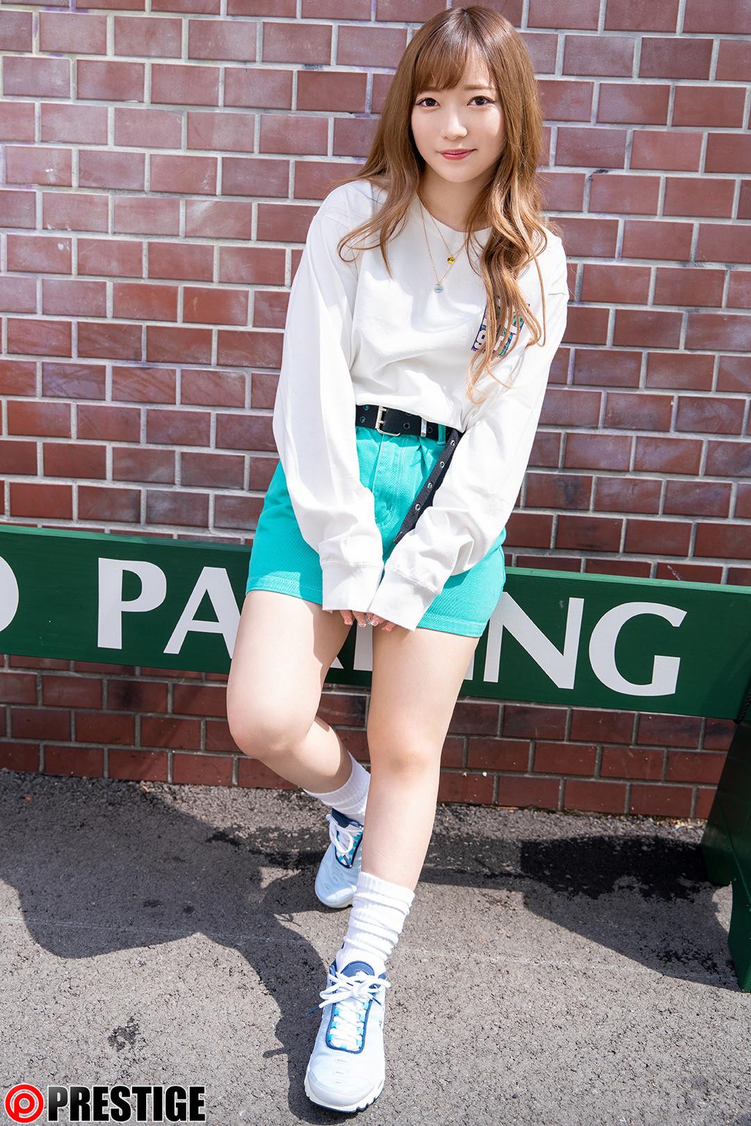 ストリート・クイーン AV debut!! 森本あやめ(22)フリーター #街の視線を集める路上の女王をAV撮影!,のサンプル画像1