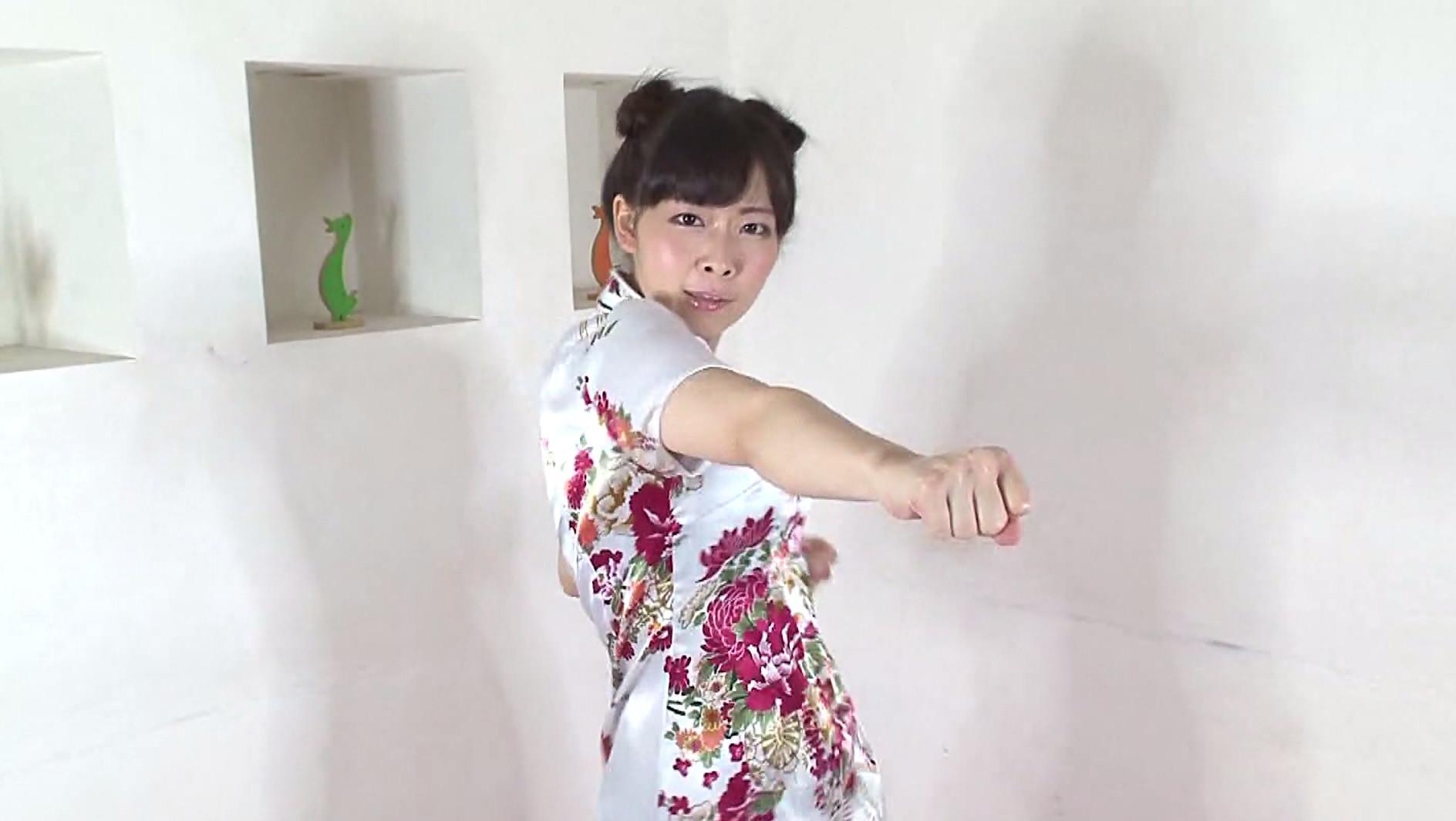 原美織が気功で発情しまくって鬼イキオナニー!超ミニスカのチャイナドレスが最高 画像2