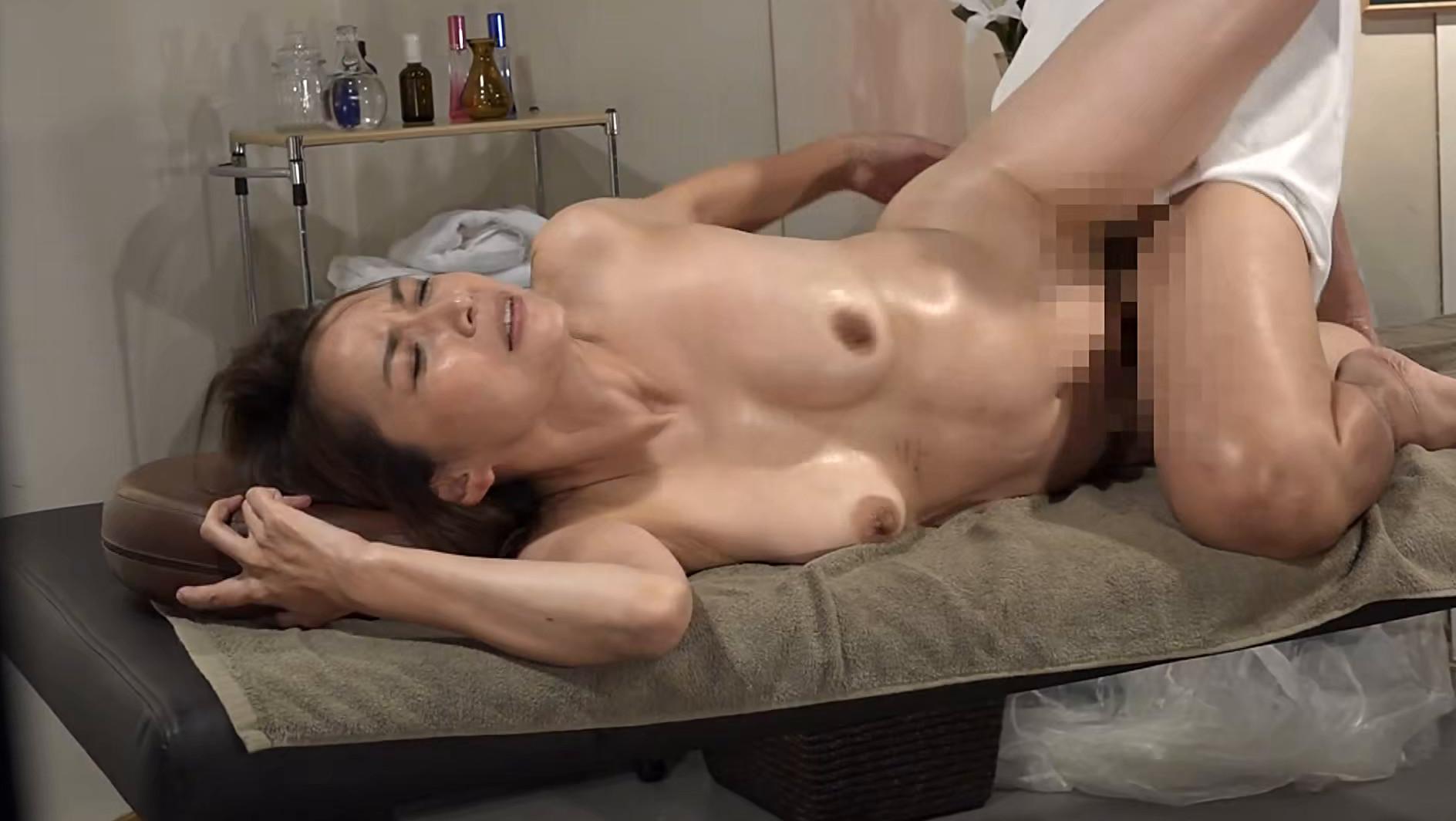 キレイな五十路熟女を性感マッサージで心ゆくまでイカせてみた4時間SP 画像18