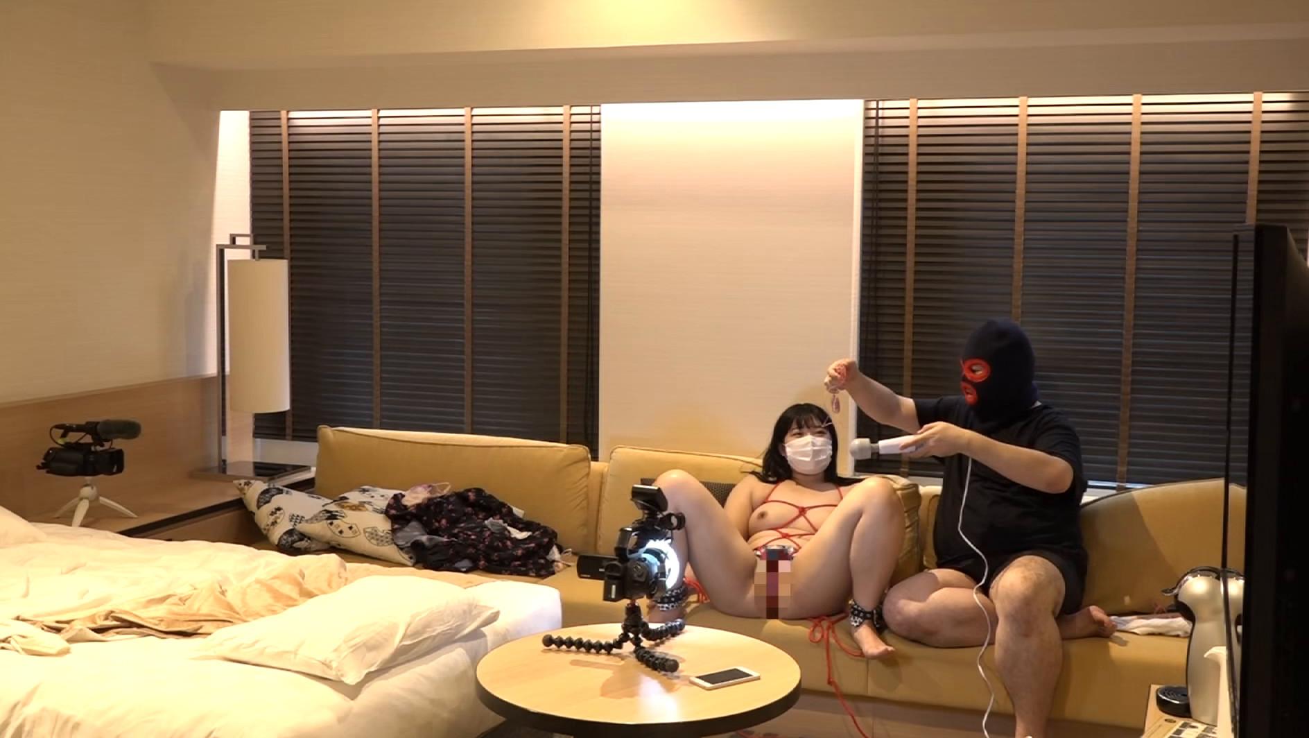 マスク着用を条件に自宅でエッチな撮影を了承してくれた普通の女子大生 ももちゃん 22歳,のサンプル画像21