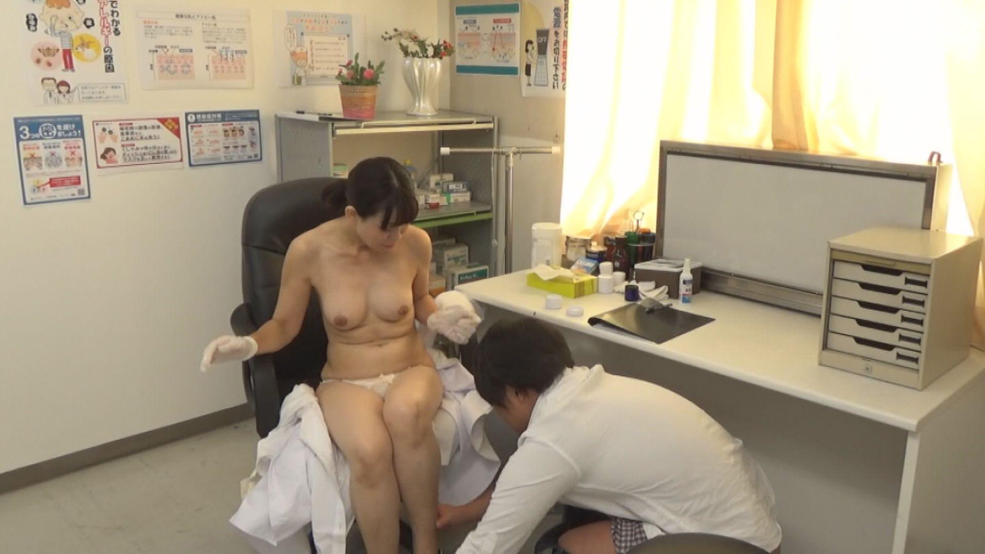 美人の先生がいる皮膚科に行って腫れたチンコを診てもらう流れでヌイてもらいたい(10) 画像21
