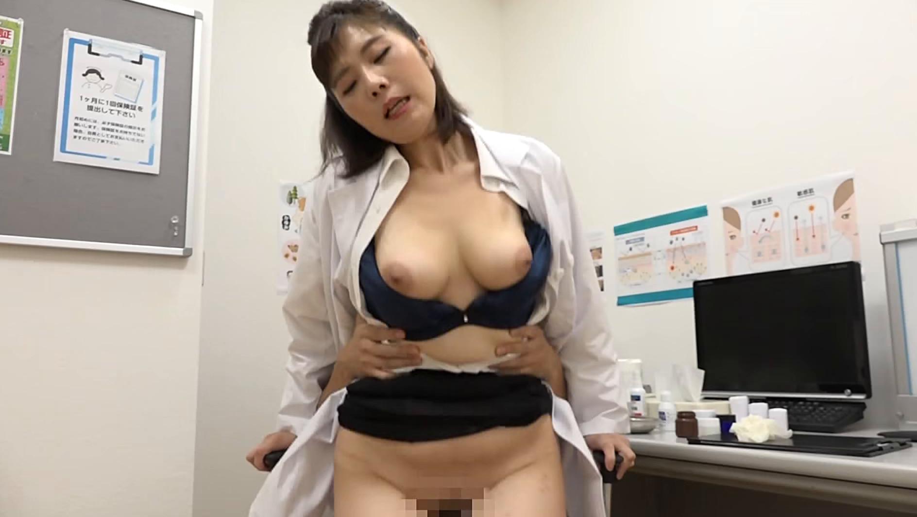 美人の先生がいる皮膚科に行って腫れたチンコを診てもらう流れでヌイてもらいたい総集編(3) 画像18