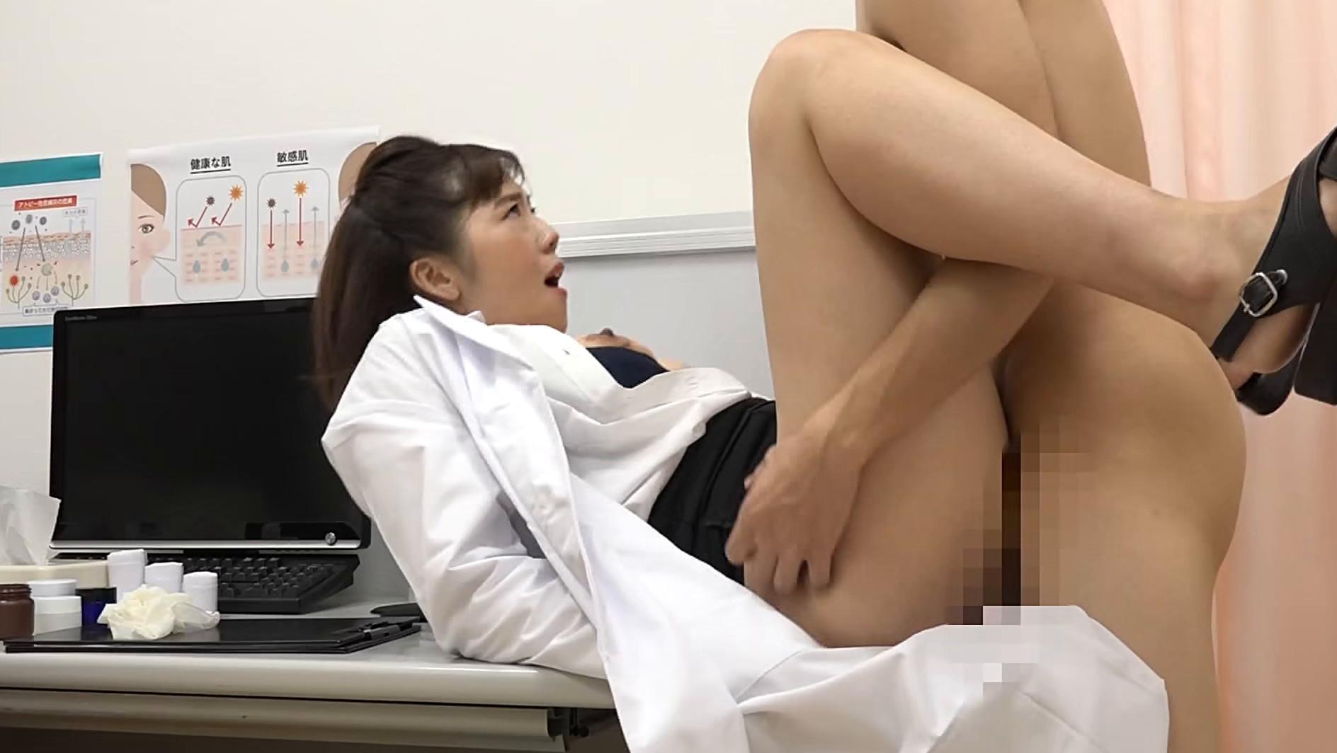 美人の先生がいる皮膚科に行って腫れたチンコを診てもらう流れでヌイてもらいたい総集編(3) 画像19