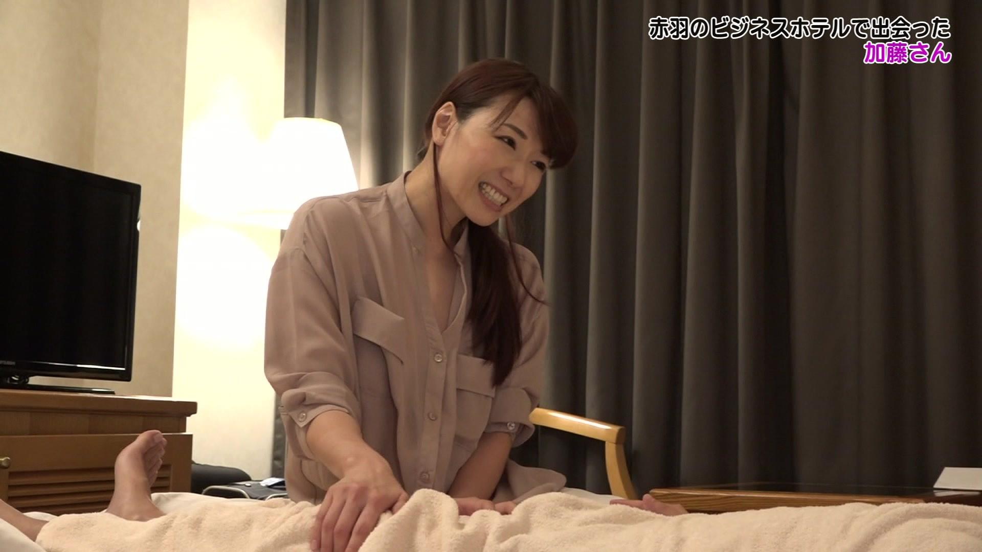 童顔人妻!福井のビジネスホテルで出会った美人マッサージ師・城石さんのおま●こが忘れられないので再び泊まって呼んでみたら中●しできちゃった 画像11