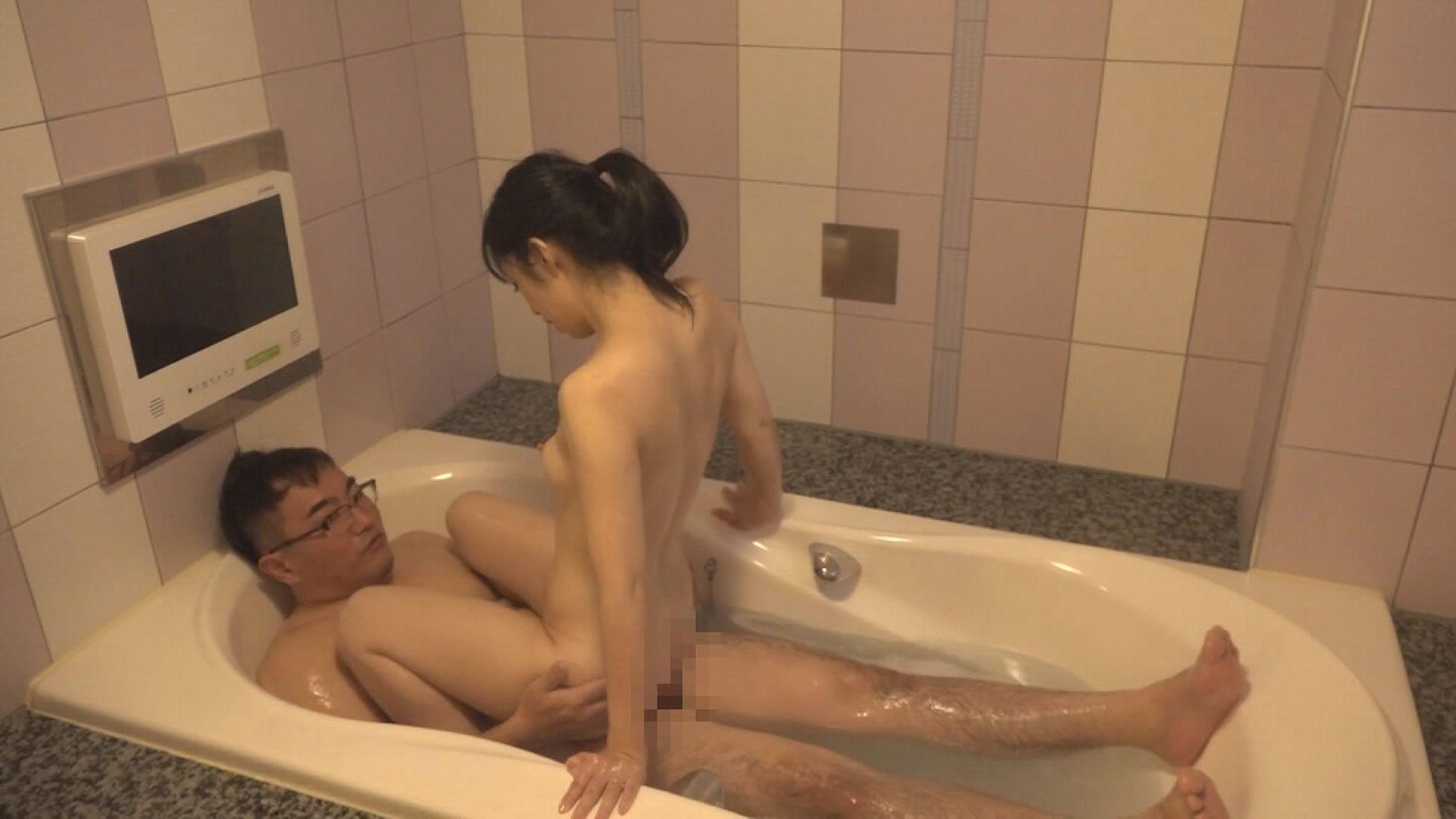 指名ナンバー1ホテヘル嬢にシレっと本●4時間SP~池袋のディープスロート美人妻から歌舞伎町のデカ尻素股お姉さんまで,のサンプル画像8