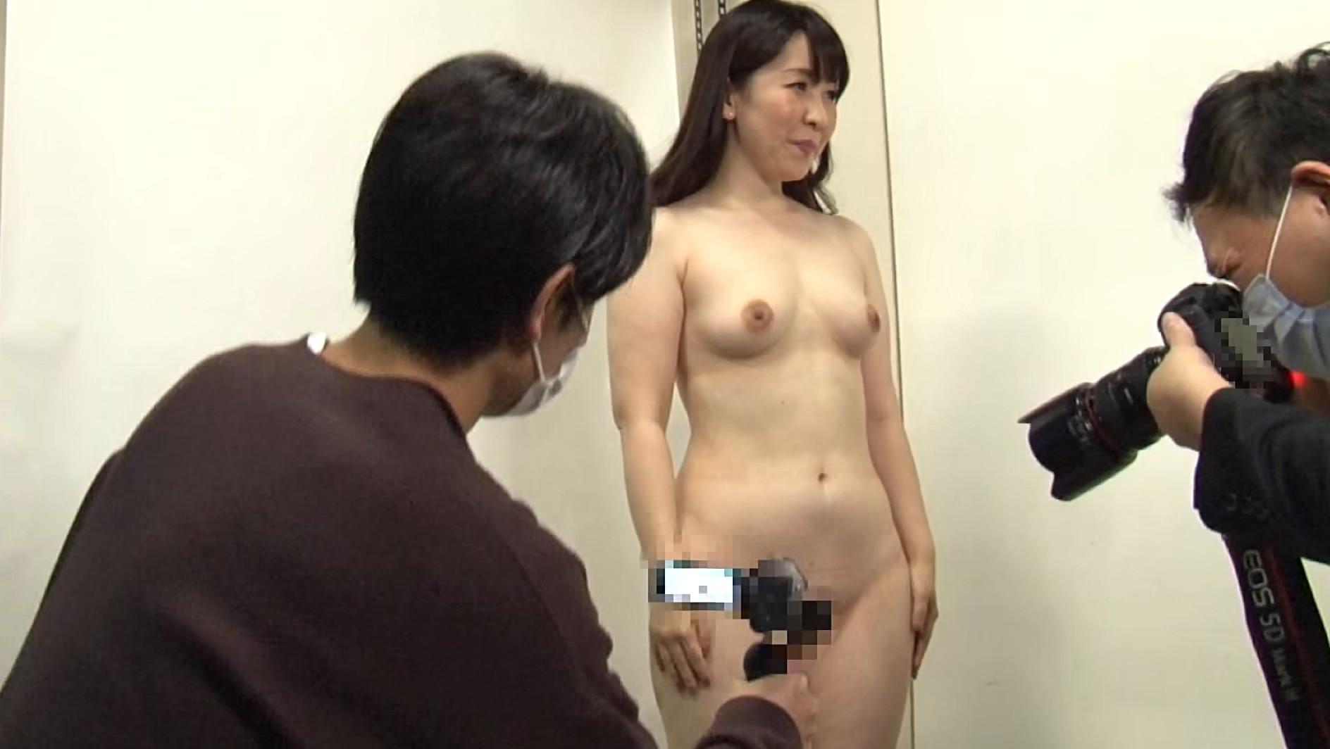 訳あり熟女の初撮りAVに完全密着(2)~複数プレイがしてみたい・和奈さん(35歳)&SEXが好きすぎて・百合さん(40歳) 画像2
