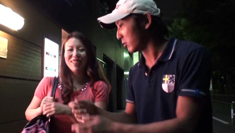 中出し熟女ナンパドキュメント 夜のナンパバトル in 池袋 画像2