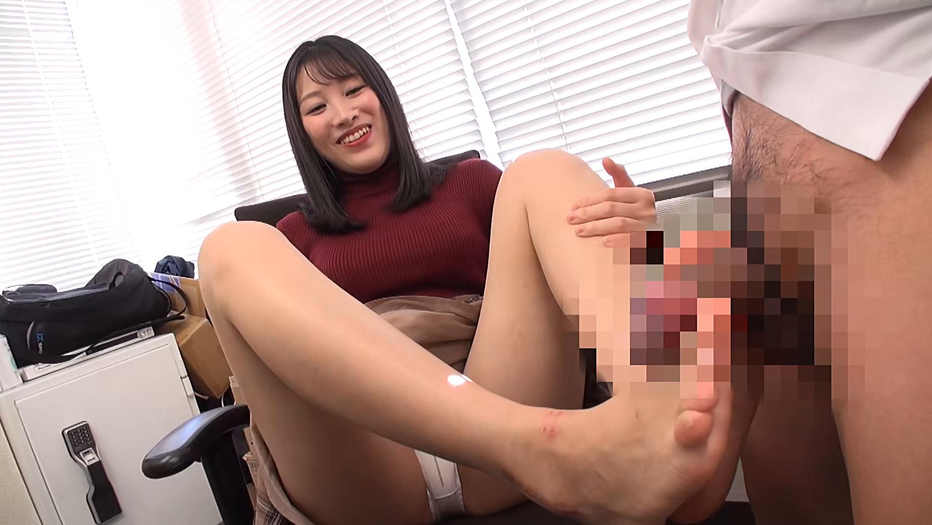 美女の足裏をふやけるまで舐めたい! 春原未来 画像6