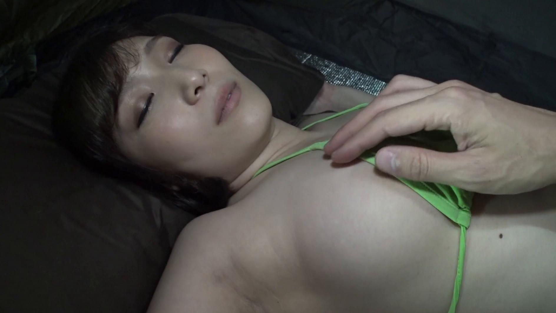 いたずらキャンプ 酔いつぶれた女子大生にチカンして精子ぶっかけてみた 画像18