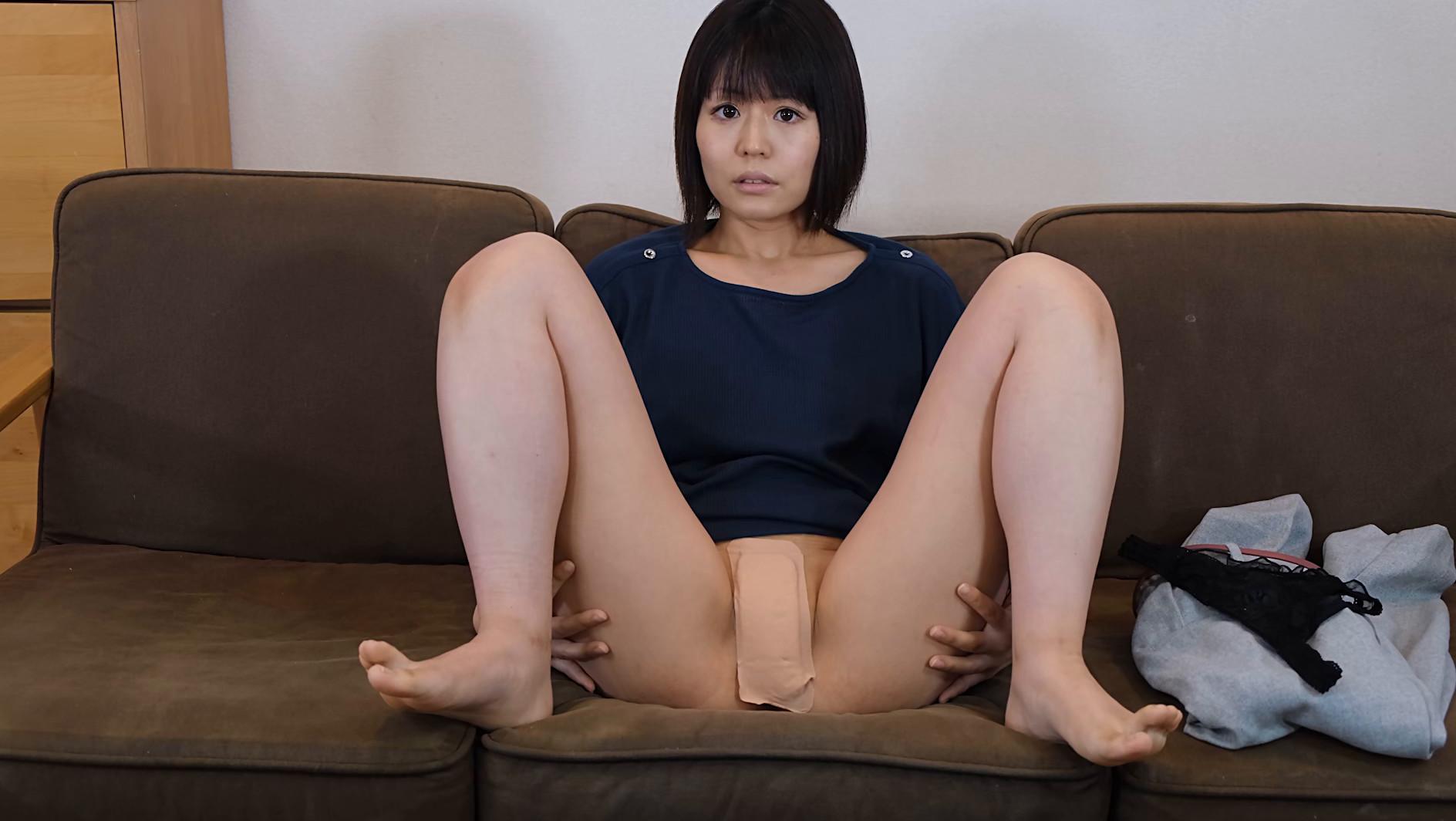 アナルを見せるのはイイけど、オ●ンコは・・・嫌だから前貼りを自分で貼ってお尻の穴を見せてあげる 長谷部智美 画像5