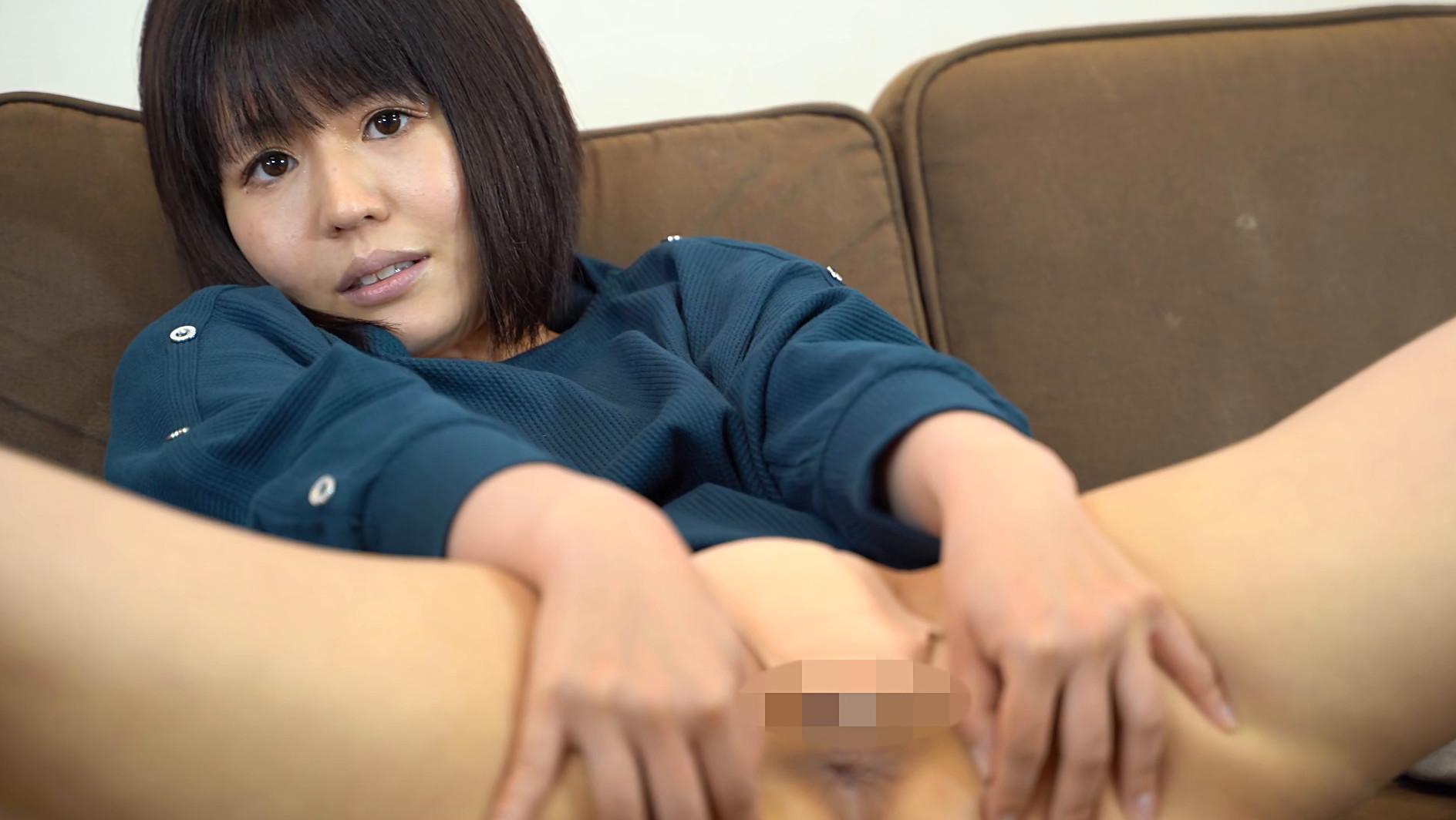 アナルを見せるのはイイけど、オ●ンコは・・・嫌だから前貼りを自分で貼ってお尻の穴を見せてあげる 長谷部智美 画像11
