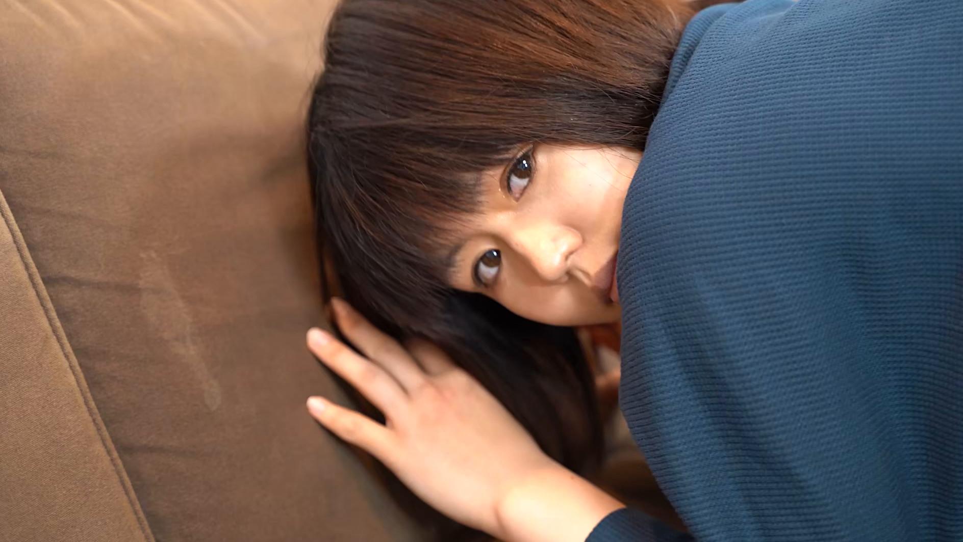 アナルを見せるのはイイけど、オ●ンコは・・・嫌だから前貼りを自分で貼ってお尻の穴を見せてあげる 長谷部智美 画像12