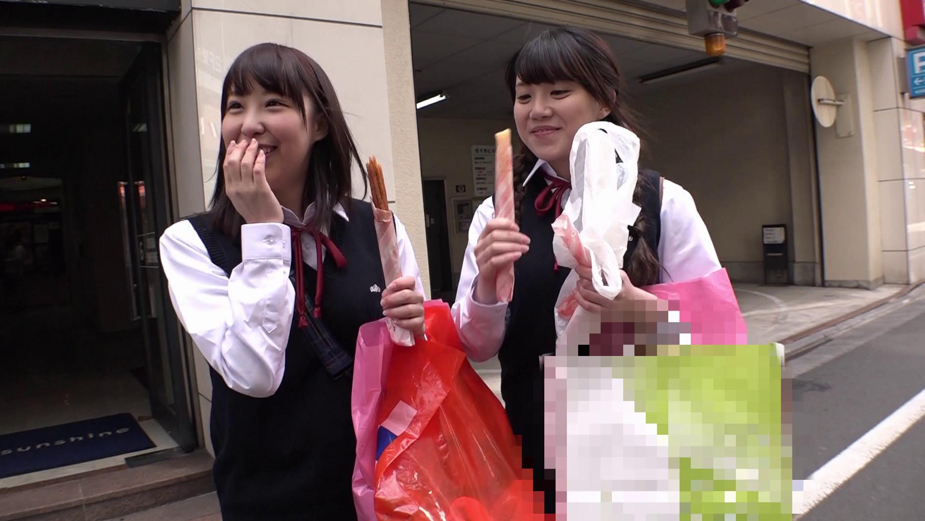 """修学旅行で東京に来たイモだけど超絶かわいい田舎女子高生を""""読モ""""にしてあげる、とダマして中出し、お友達を電話で呼び出させてその娘もレイプ 画像1"""