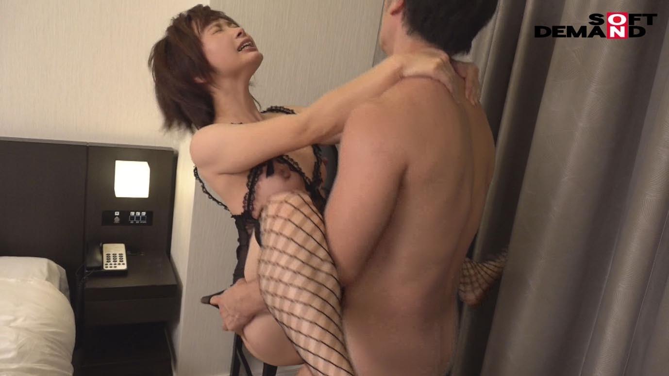 ショートカットが似合う、本当の美人。 神田知美 34歳 最終章 福岡から弾丸日帰り不倫旅 8年ぶりに味わう生チ〇ポで中出し7発!,のサンプル画像16