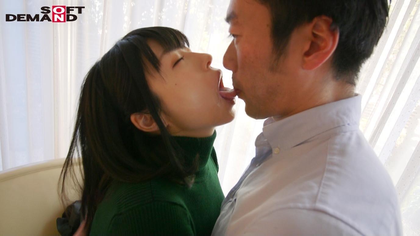 ママ友の間ではいつも盛り上げ役の明るい奥さん 田原凛花 35歳 AV DEBUT,のサンプル画像2