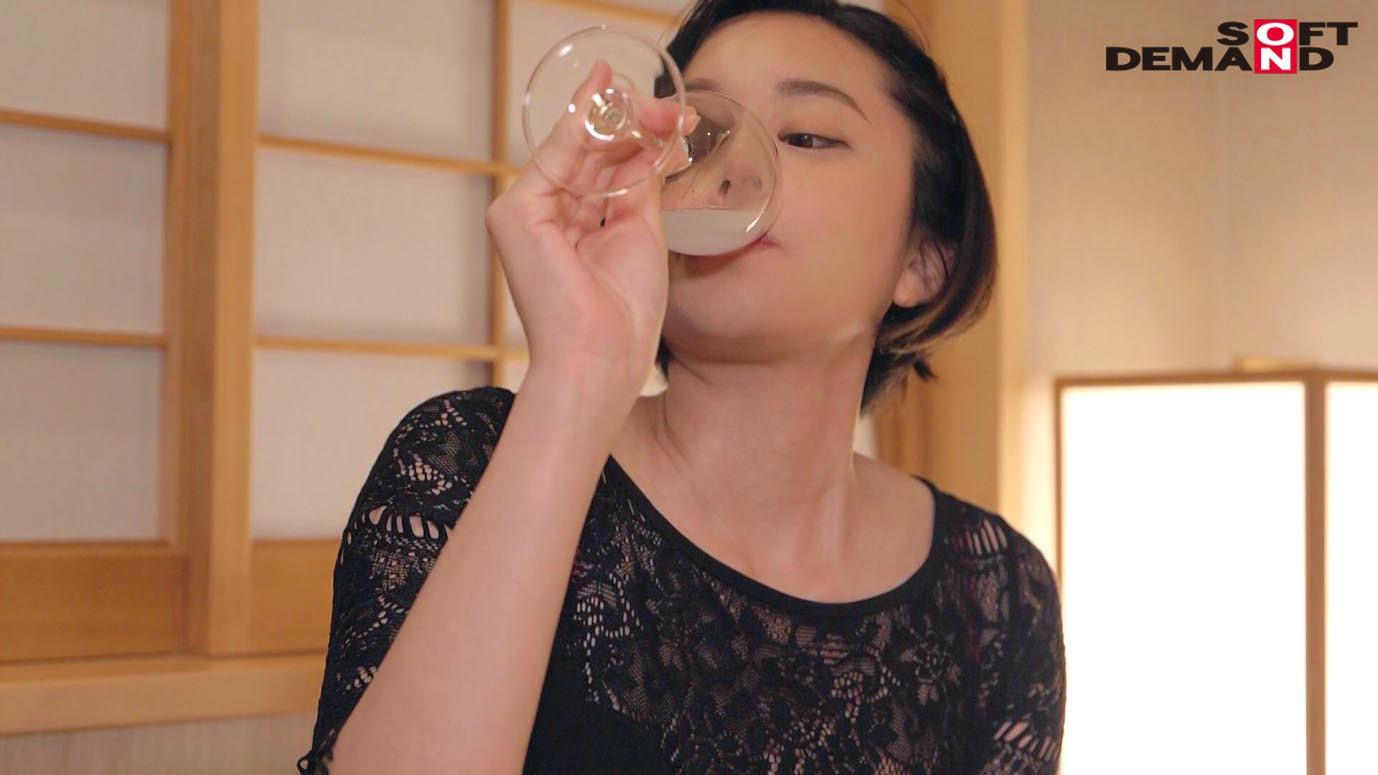 南アルプスの湧き水よりも澄み切った120%天然素材の美人妻 平井栞奈 34歳 第3章 「精子飲みたくて仕方ないんです」一滴残らず他人ザーメンごっくん7発! 画像12