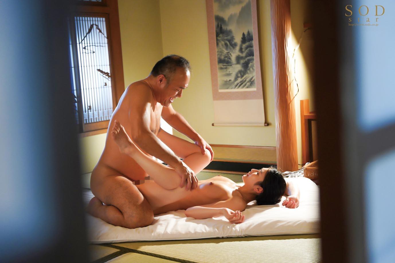 混浴社員旅行NTR 温泉好きな会社の先輩たちと、貸切家族風呂に行ったら僕の妻が滅茶苦茶に犯されてしまいました・・・。 本庄鈴 画像16