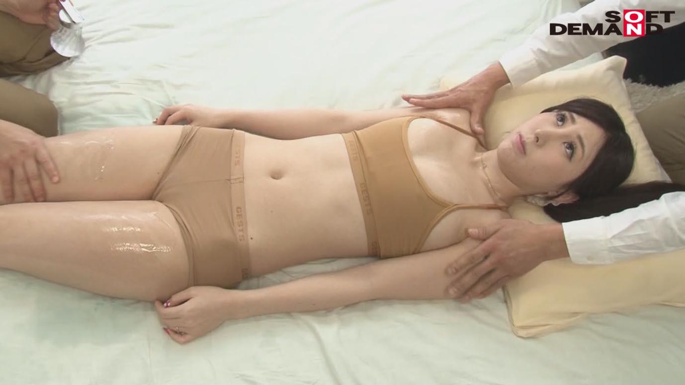 「カップル限定」マジックミラー号の中で、自慢の彼女を「寝とって」真正中出し! アンナさん(23)アパレル販売員 画像5