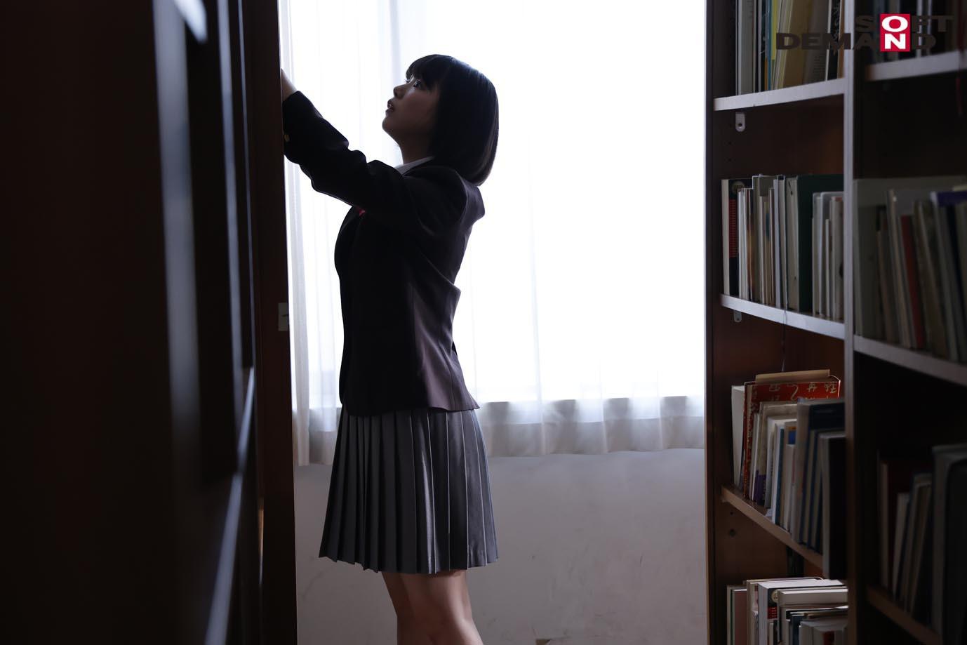 未成熟なカラダ、あやうい美少女 18歳 SOD専属AVデビュー 桃乃りん 画像9