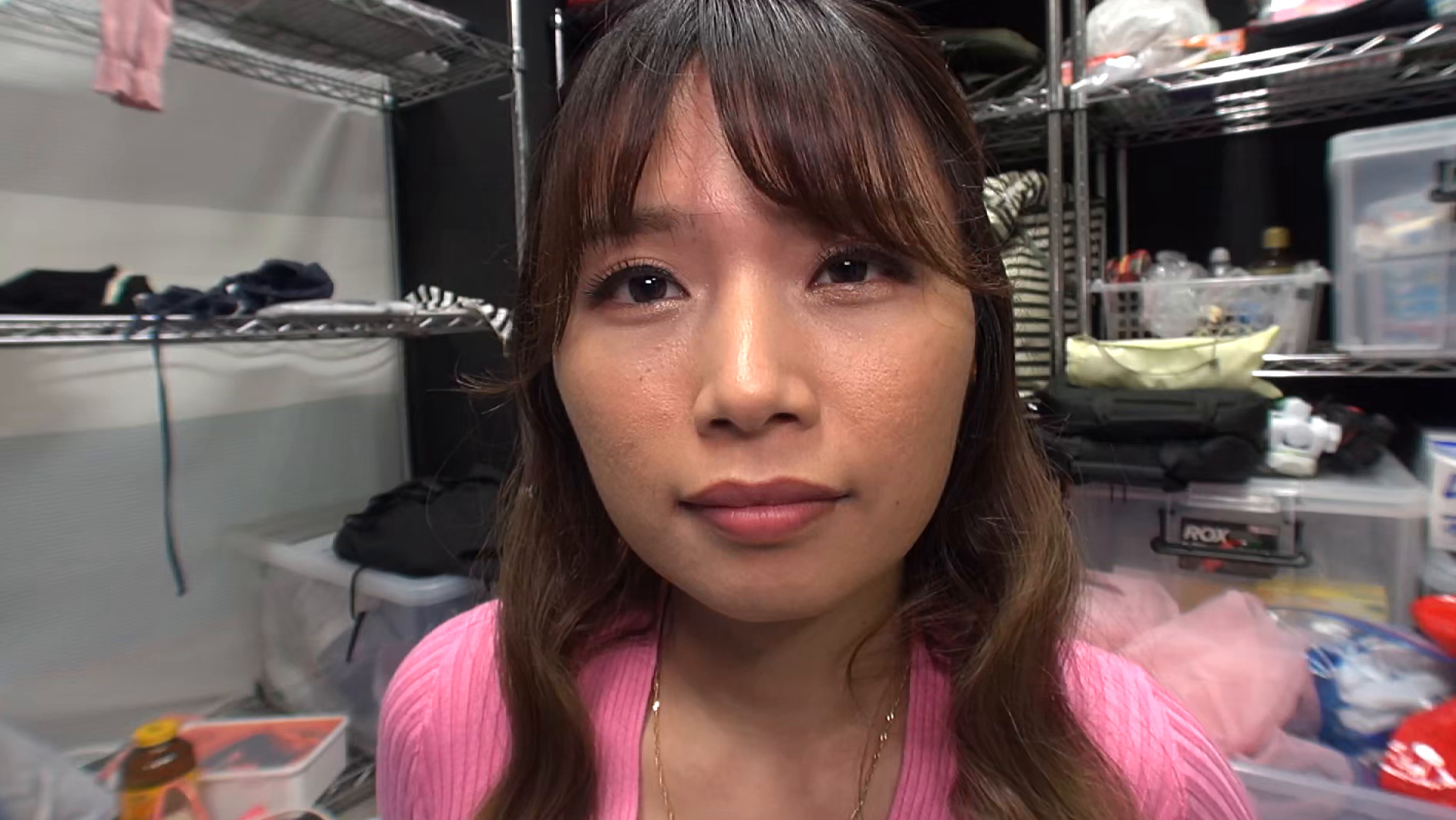 【個人撮影】助手席でオナニーする欲求不満な淫乱美女 旦那には内緒でハメ撮りデート
