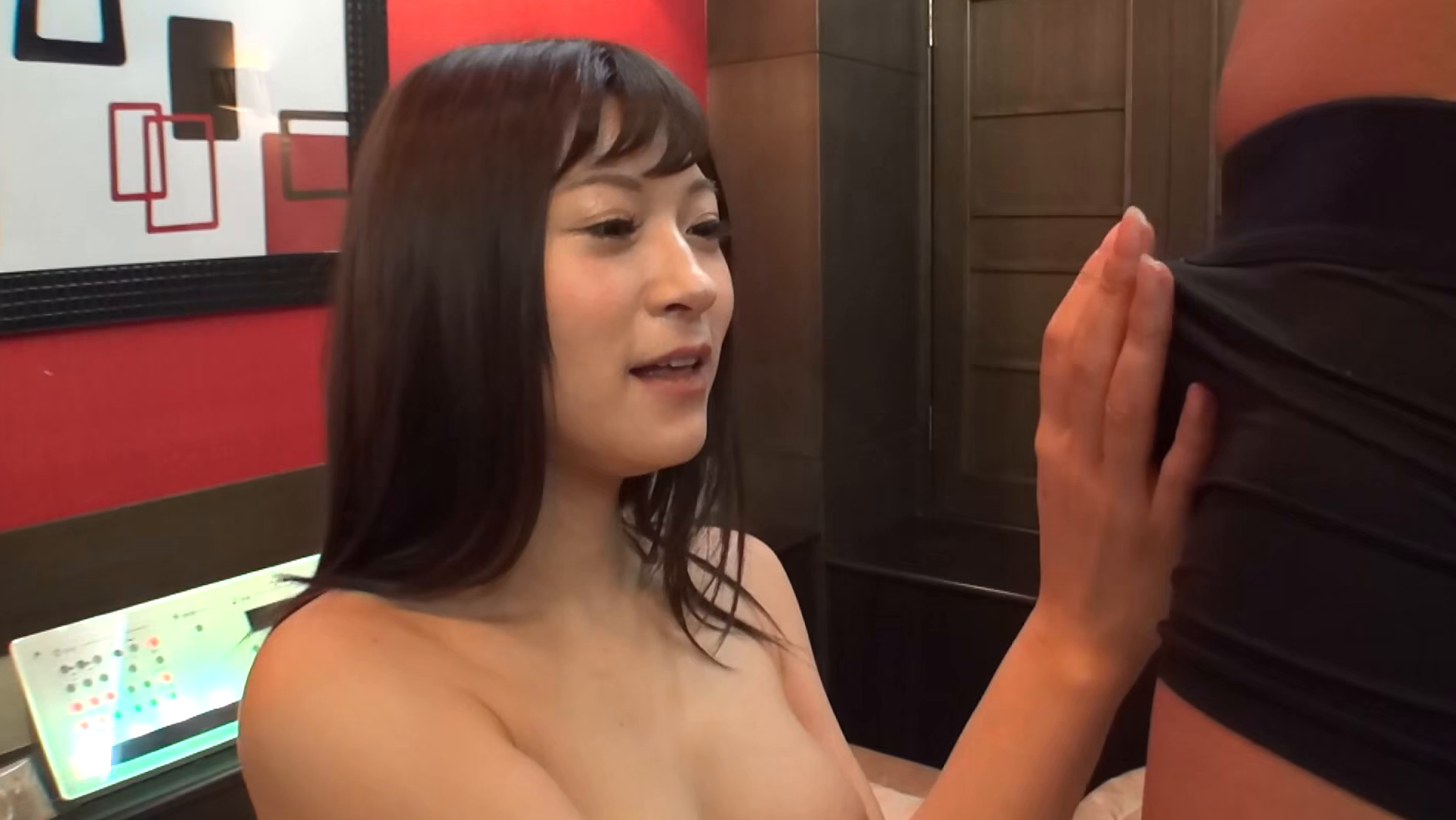AV撮影に興味深々の主婦は巨乳で敏感で中出しもOKだった16