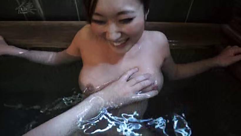 濡れる不倫温泉 留美3
