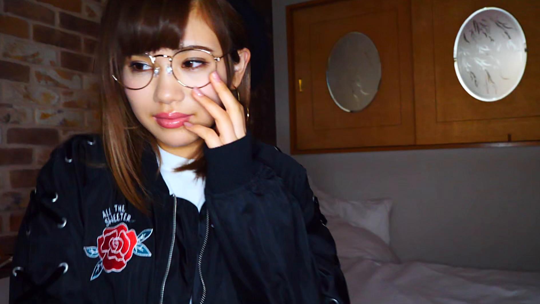 【流出】ハーフ美女のプライベート3P動画