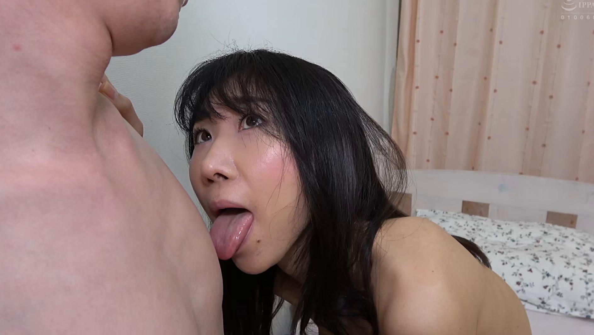 子供部屋おじさん(35歳無職の息子)を性処理する義母 森田紅音 画像18