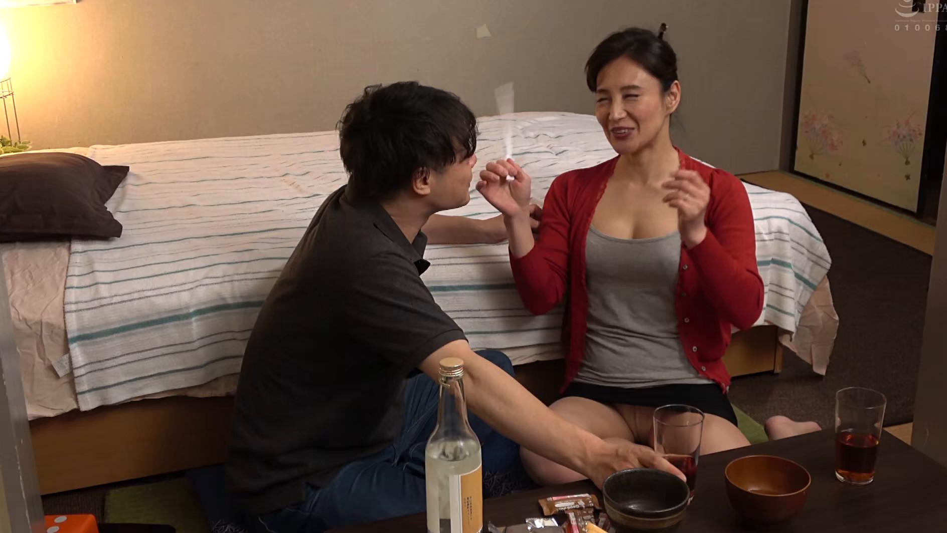飲み屋でナンパした美熟女を部屋に連れ込み生ハメSEX 180分 画像18