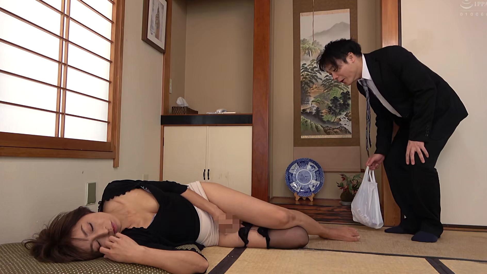 五十路義母 嫁の母は婿に肉体を求められ逞しい肉棒を受け入れる・・・ 画像6