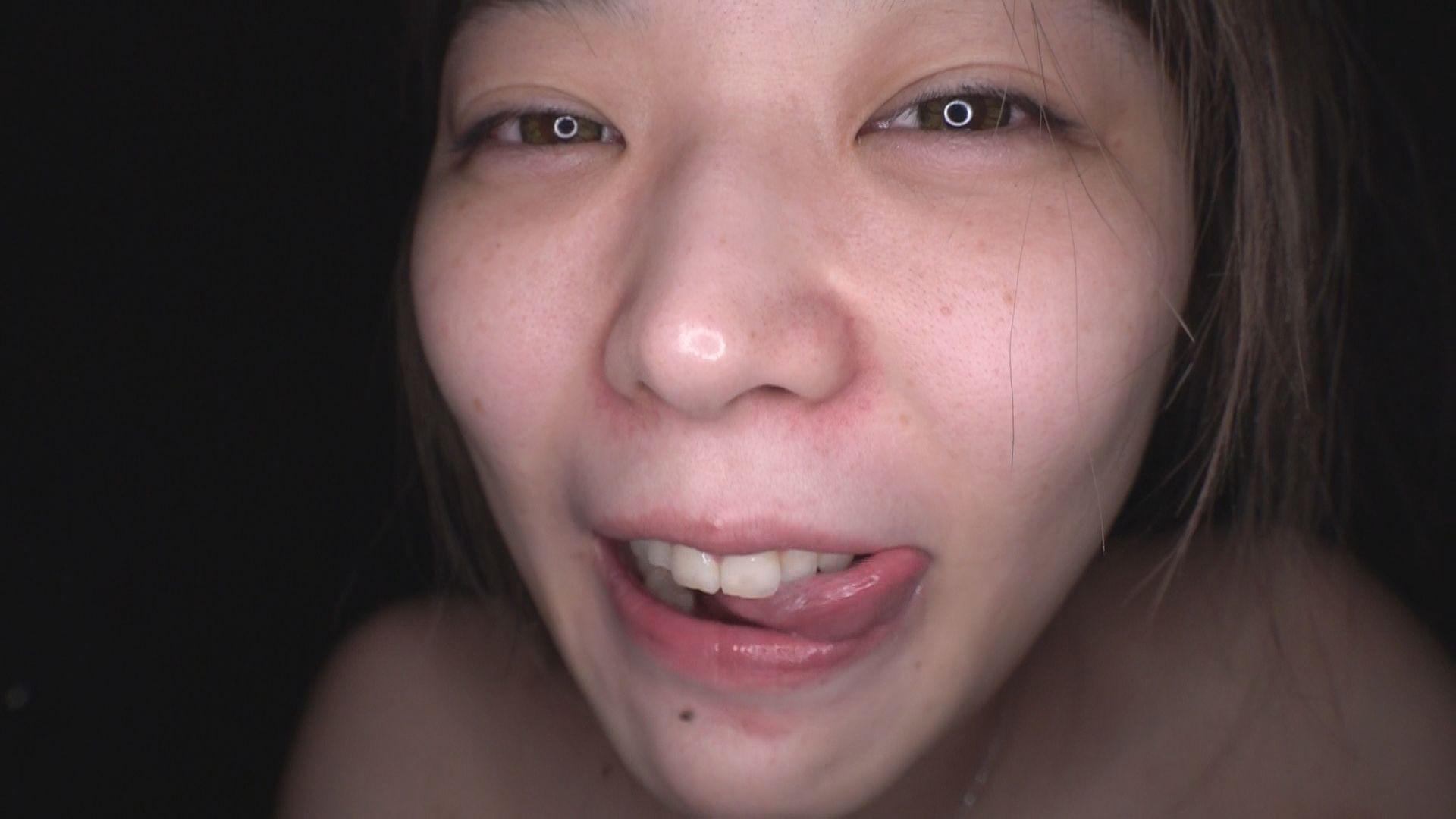 丸呑精飲 根元までニヤニヤ咥えて喉射ザーメンを飲みたがる底抜けに明るい喉便器OL 画像11